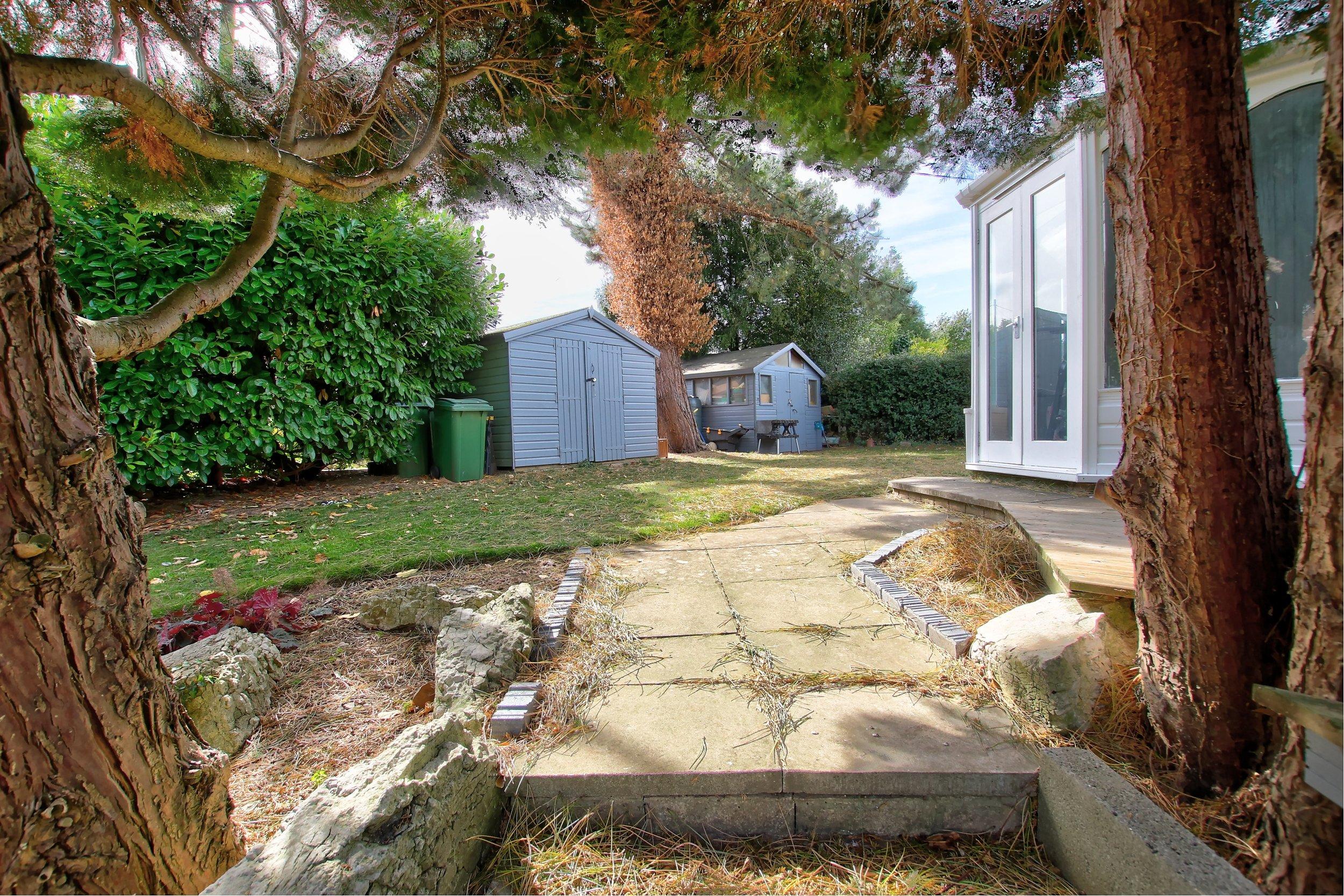 6 side garden.jpg