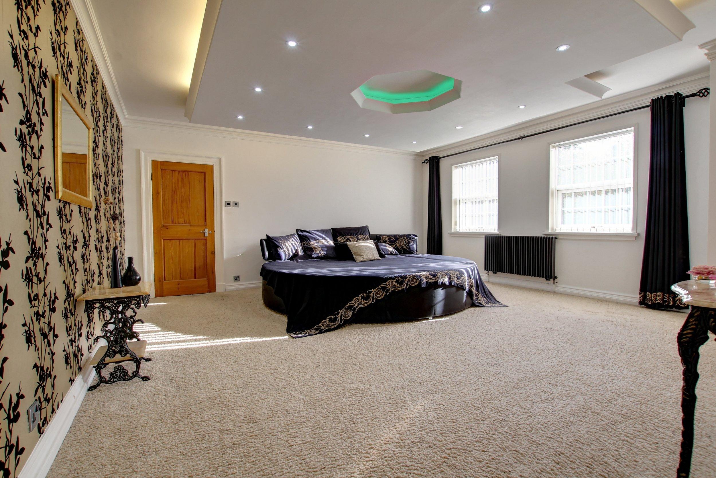 11 bed 1.jpg
