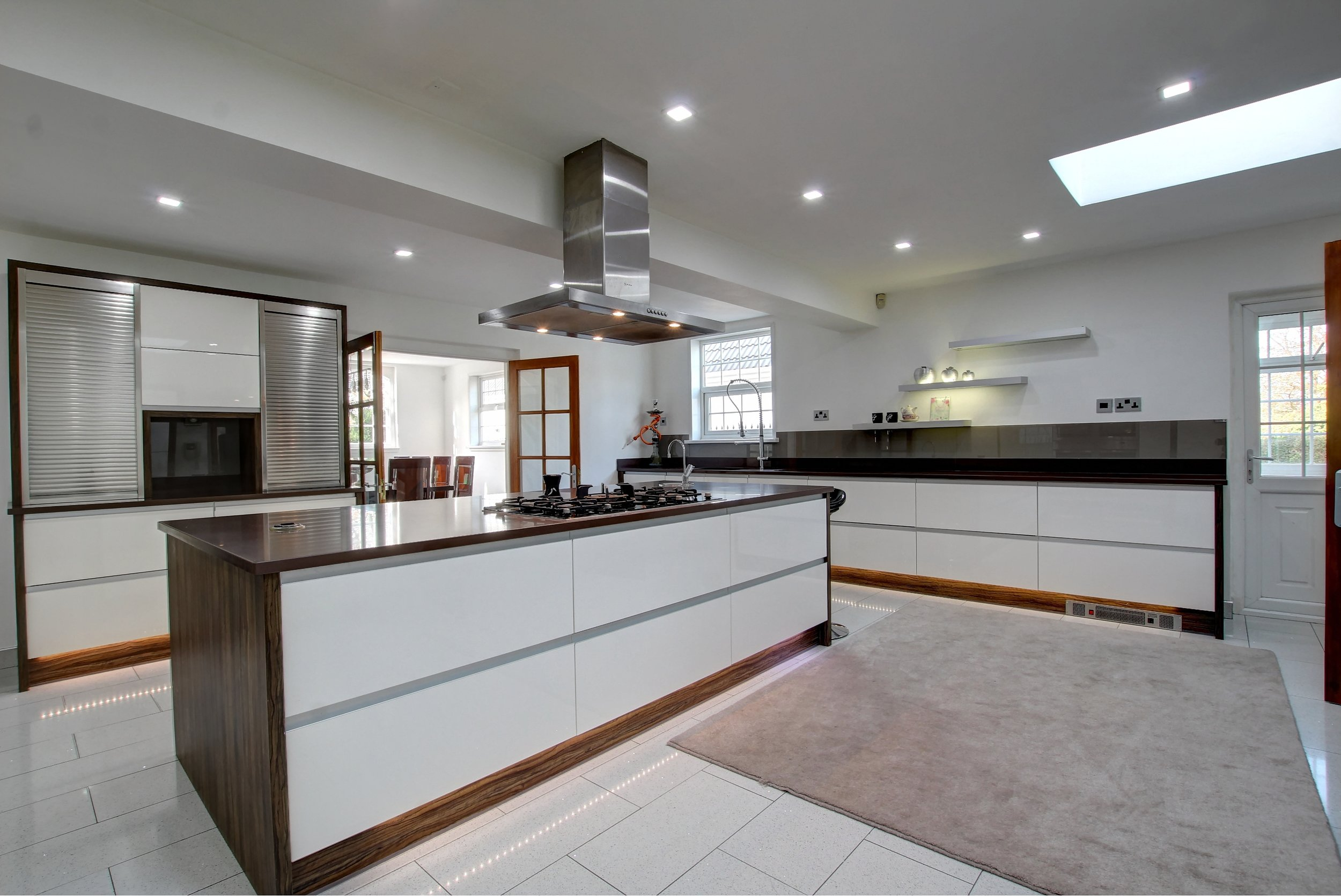 31 kitchen i.jpg