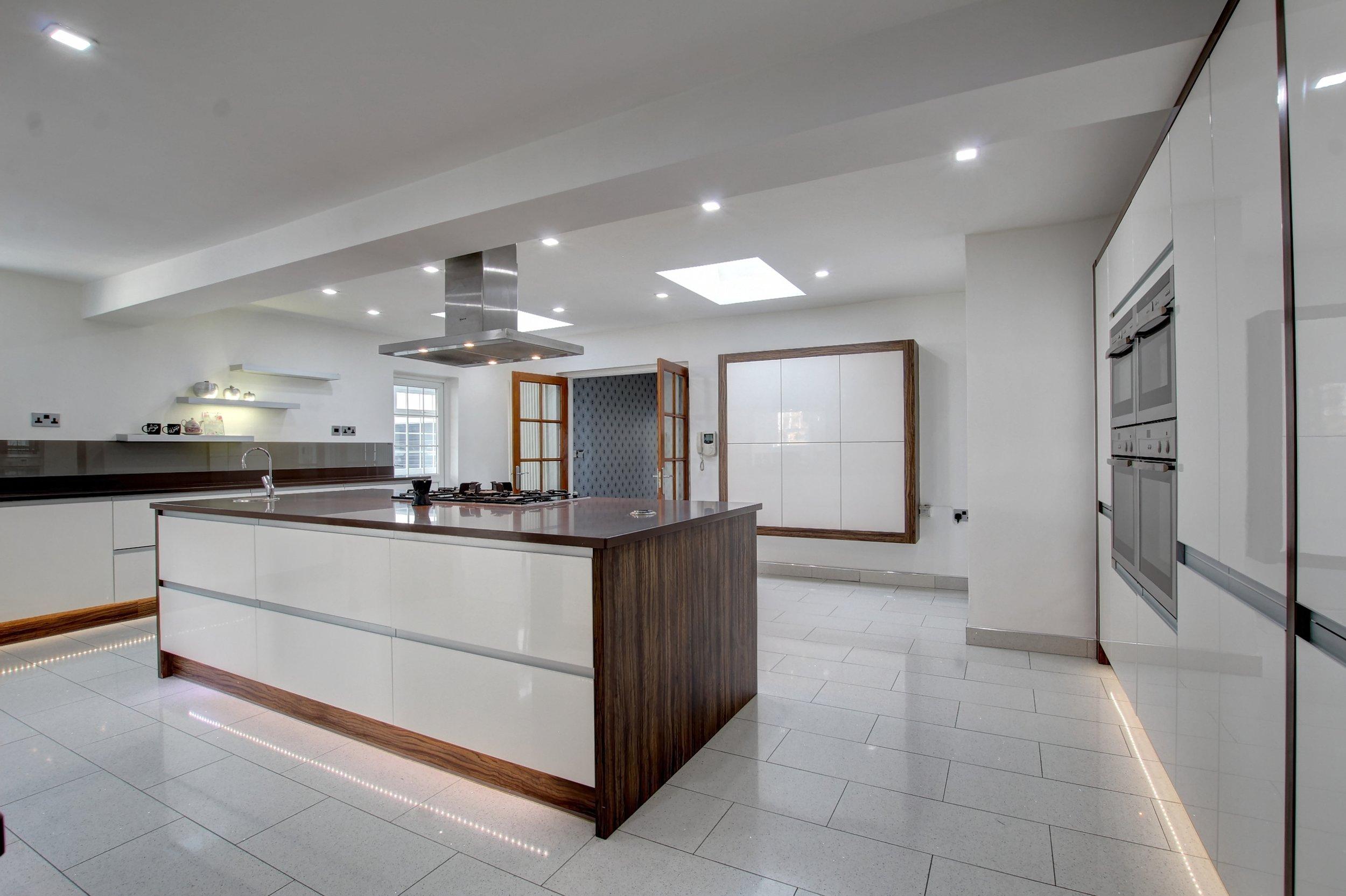 32 kitchen ii.jpg