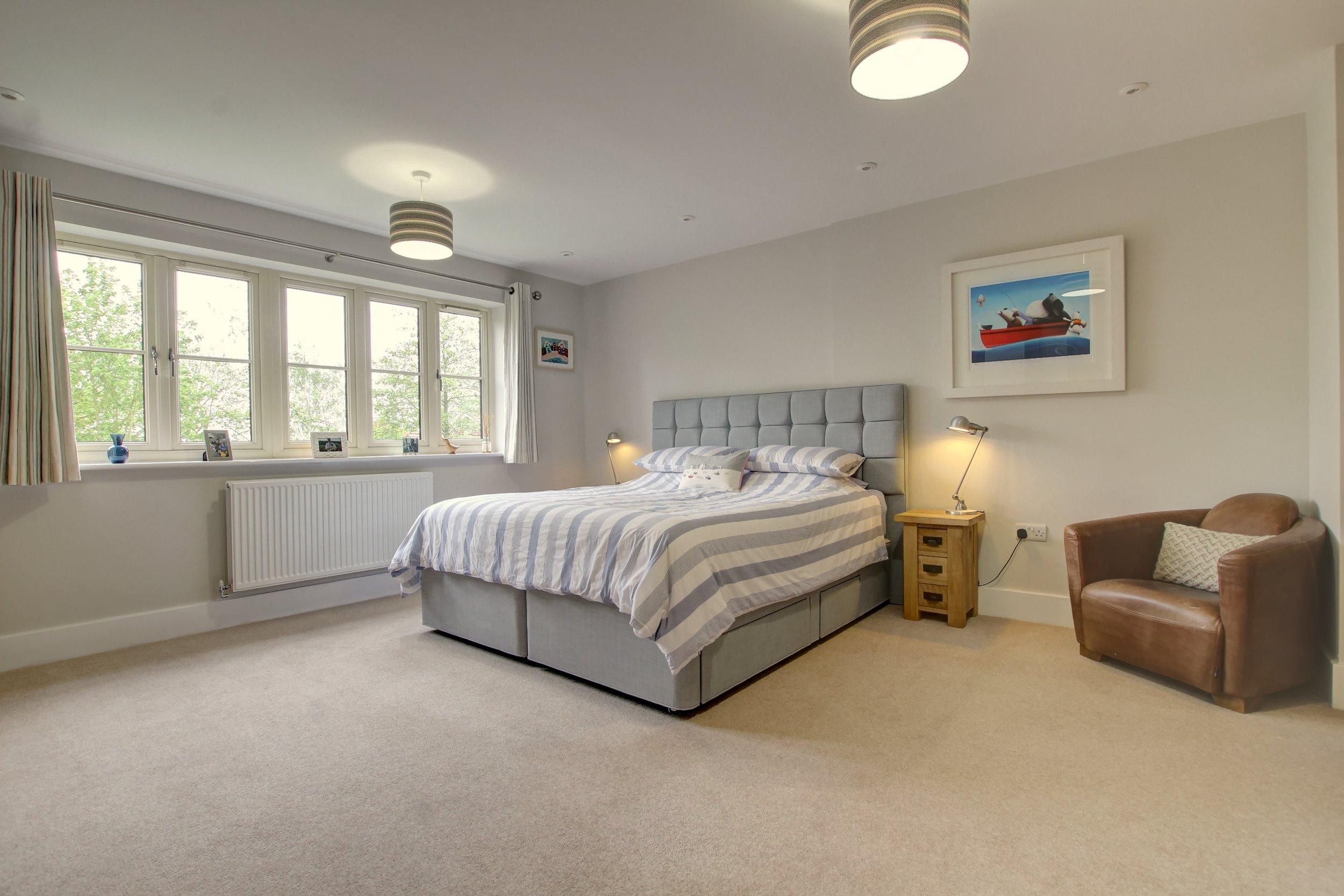 24 master bedroom.jpg