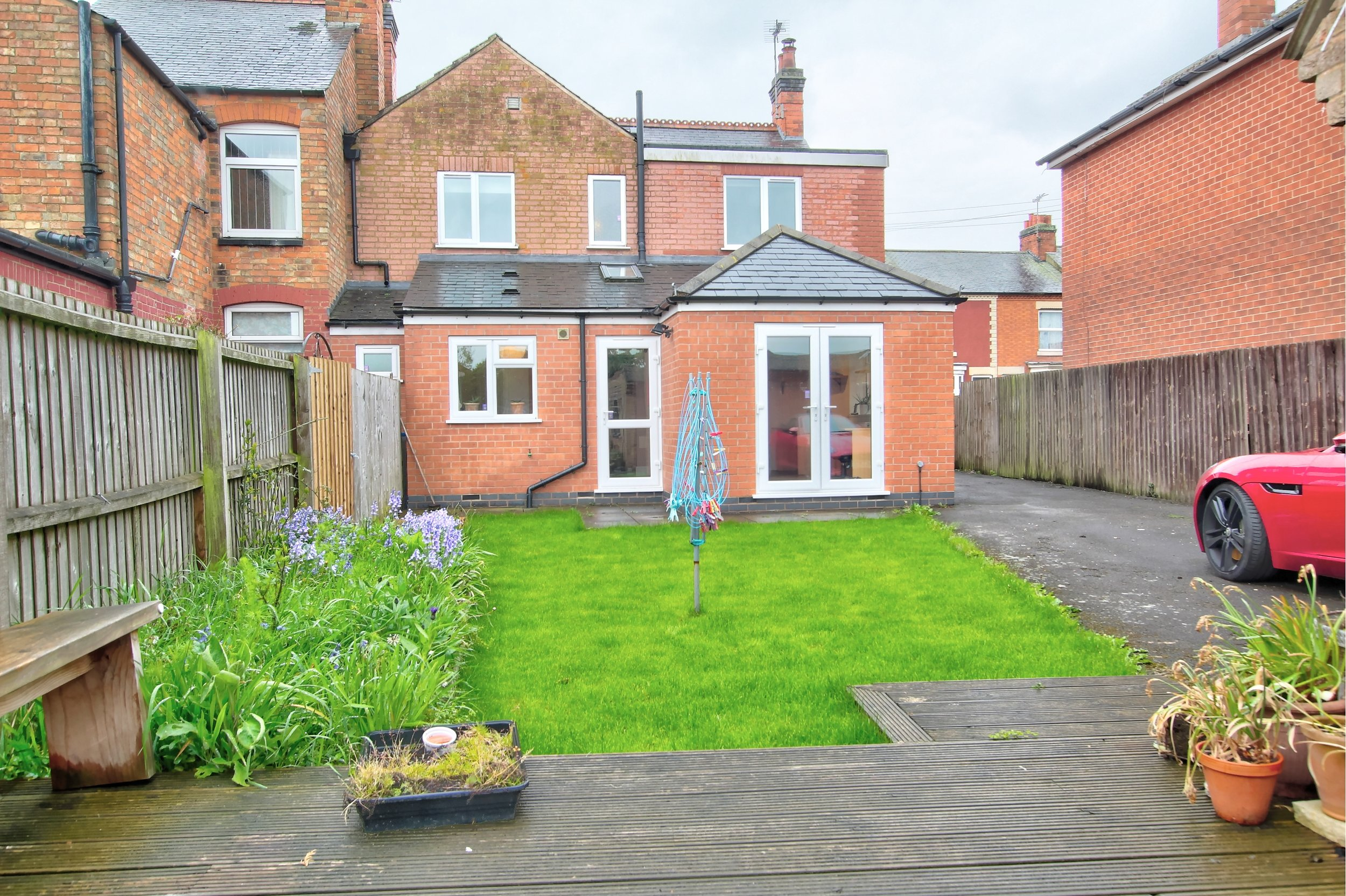 22 rear garden.jpg