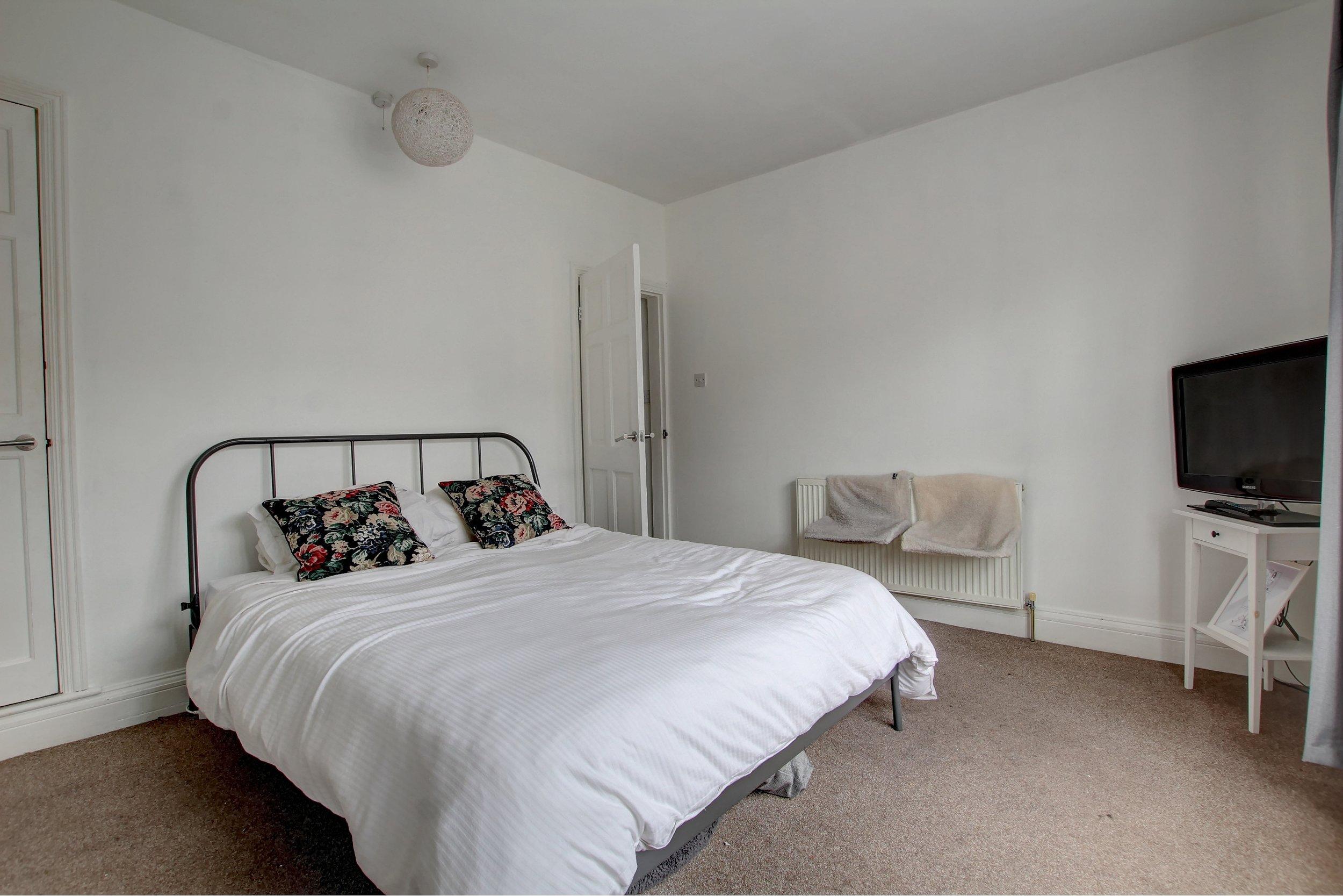 8 bedroom one.jpg