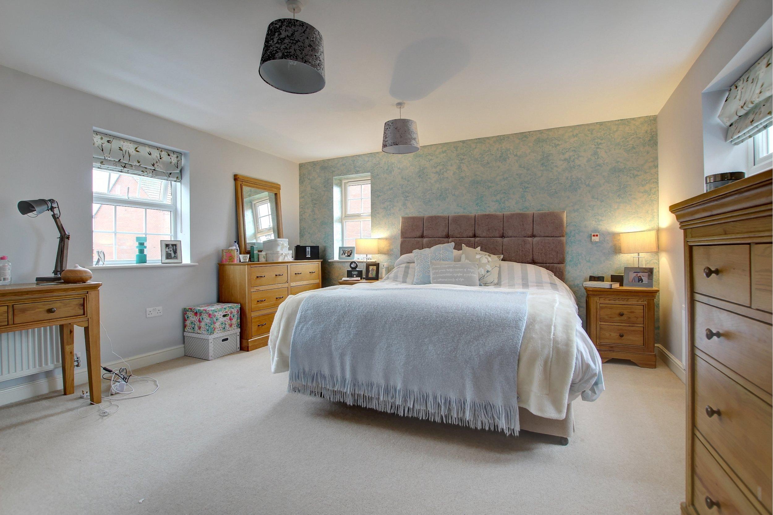 7 master bedroom.jpg
