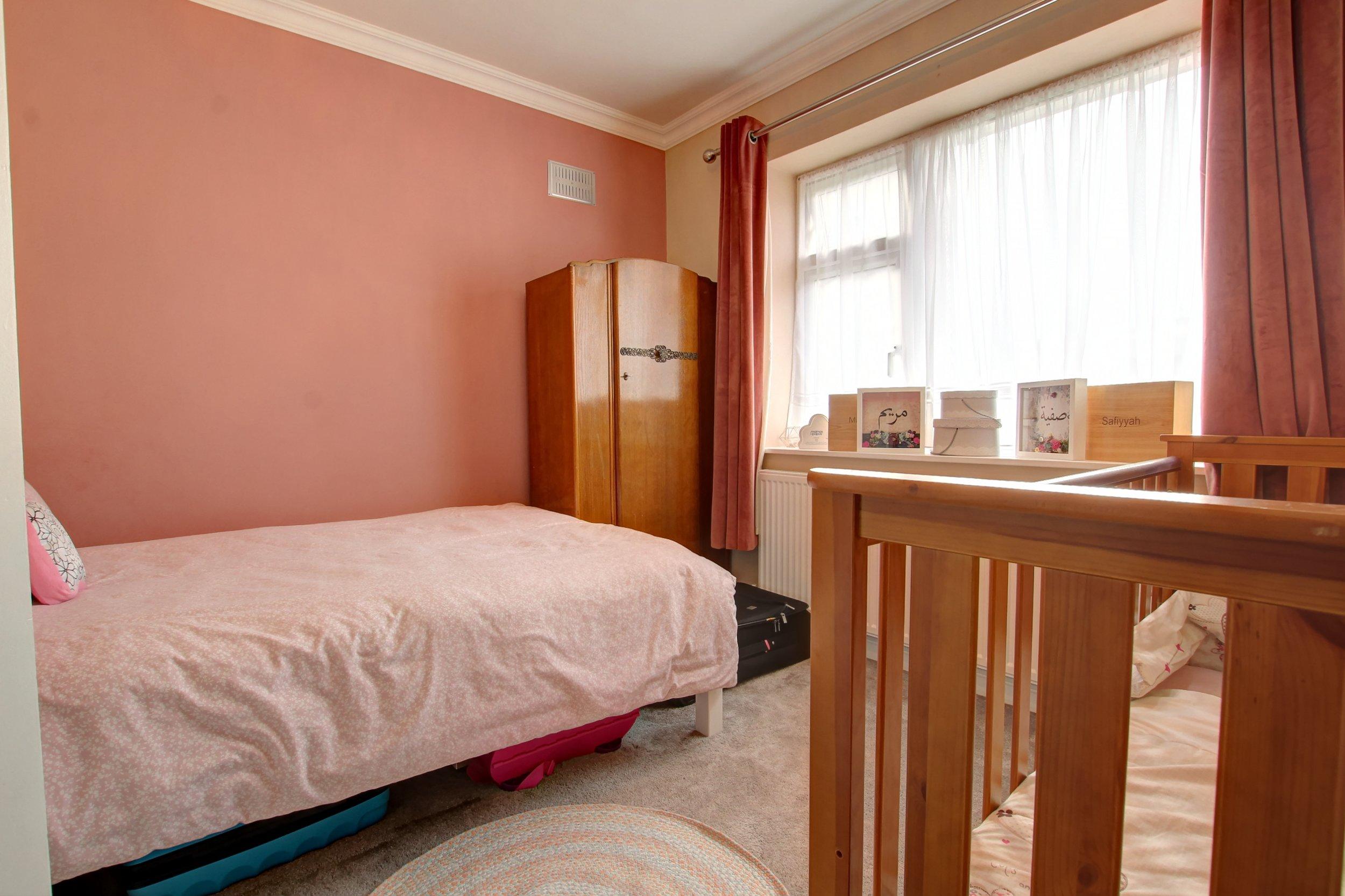 8 bed 2.jpg