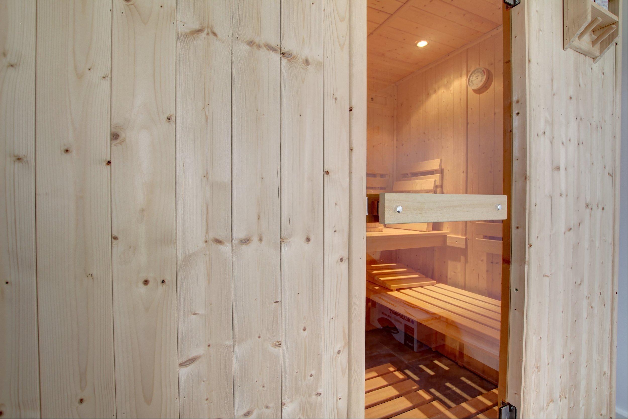 30 sauna.jpg