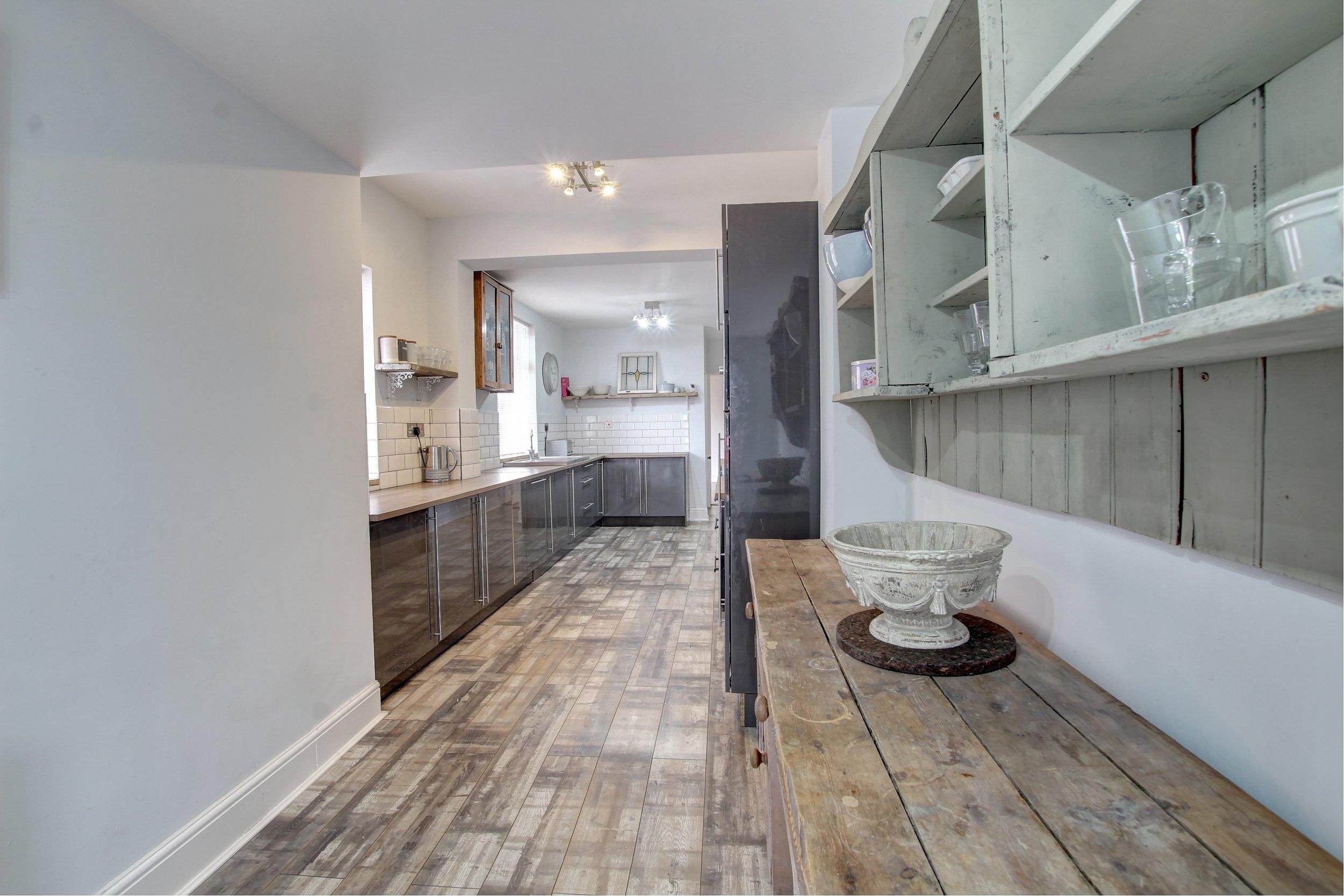 11 dining kitchen.jpg