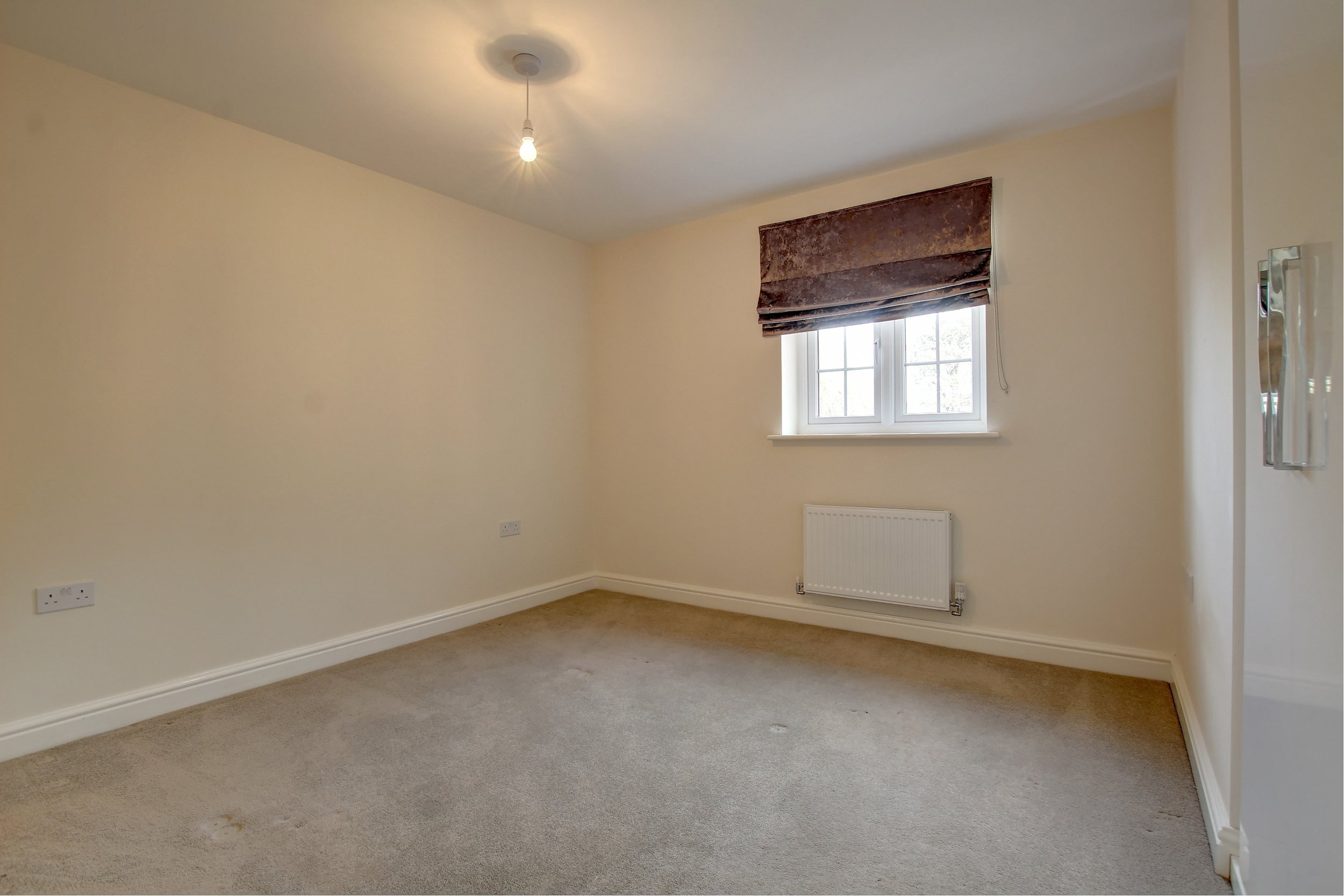 16 bedroom.jpg