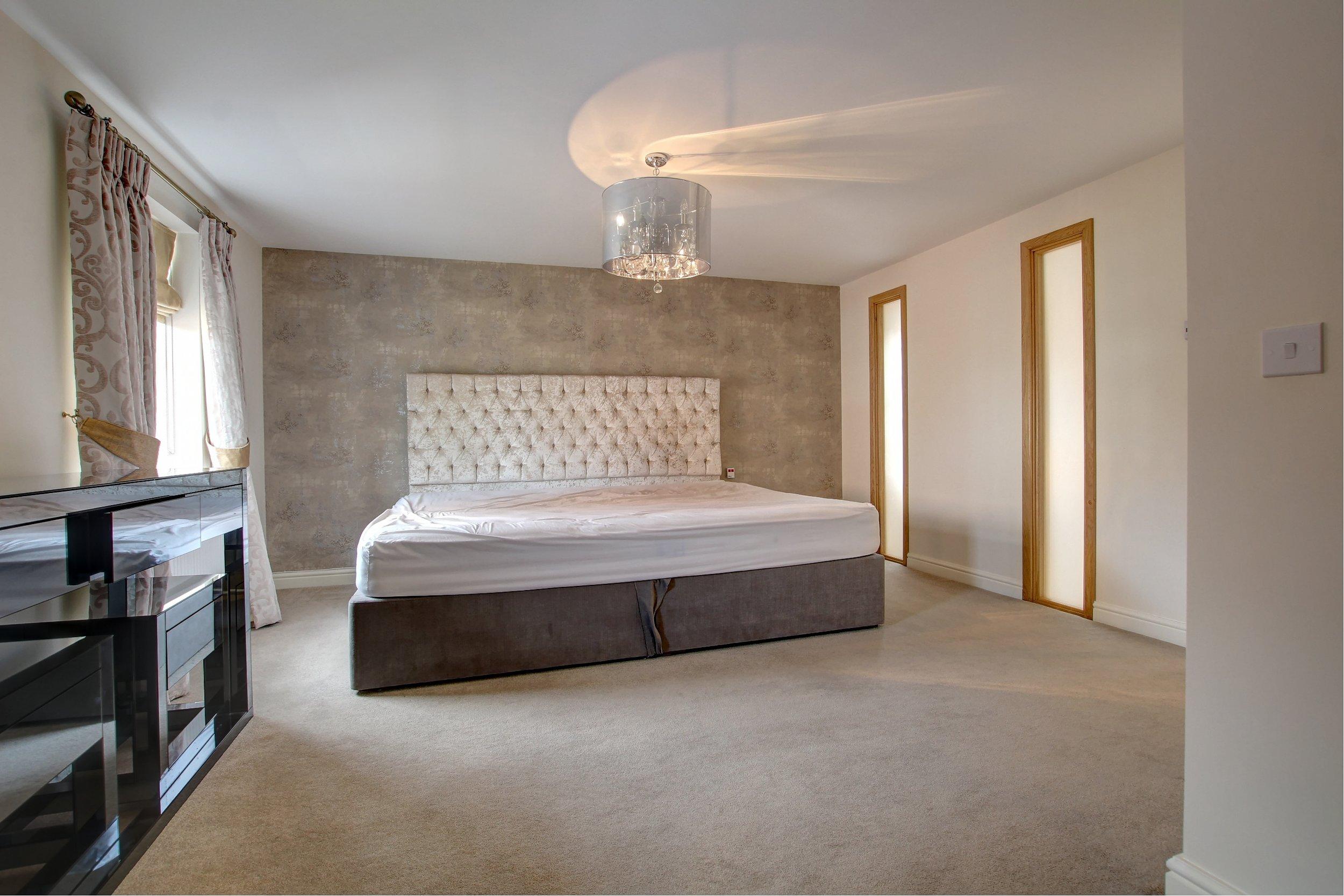 21 master bedroom.jpg