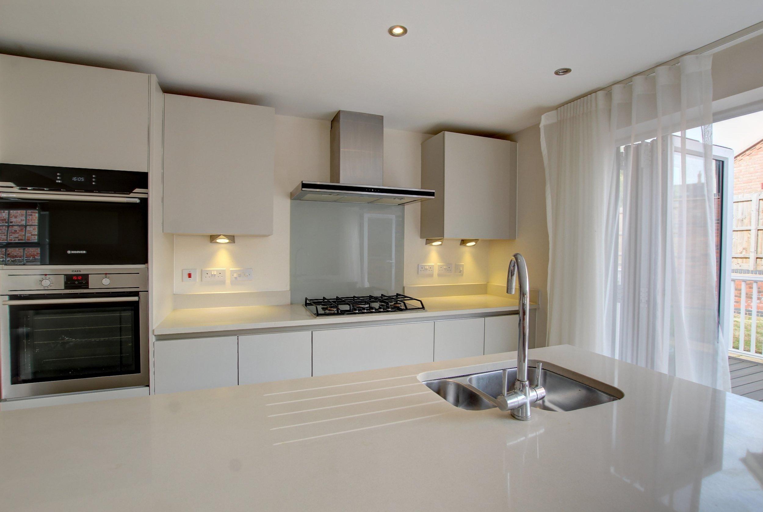 32 kitchen lifestyle.jpg
