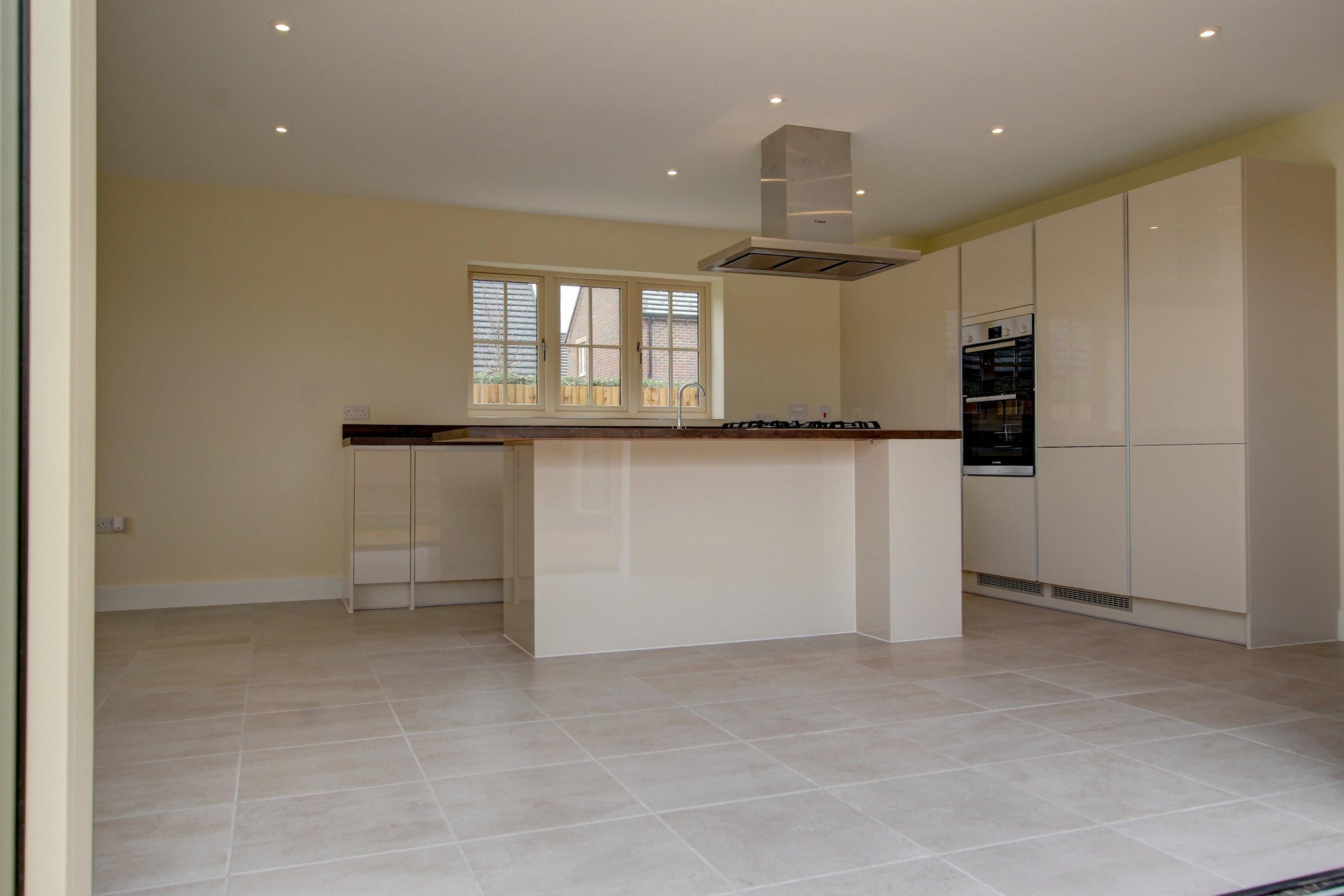 26 kitchen bifolds.jpg