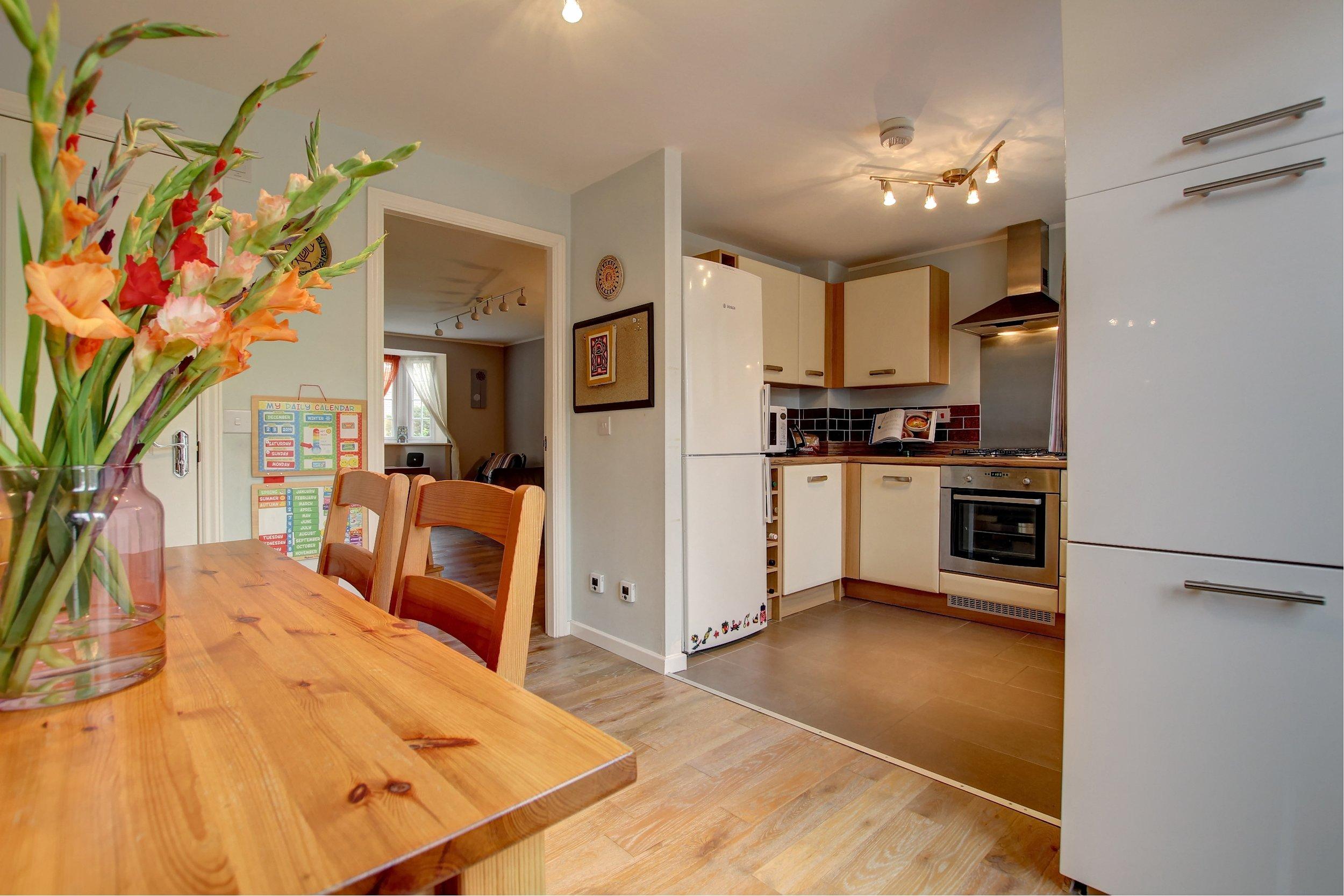 8 dining kitchen.jpg