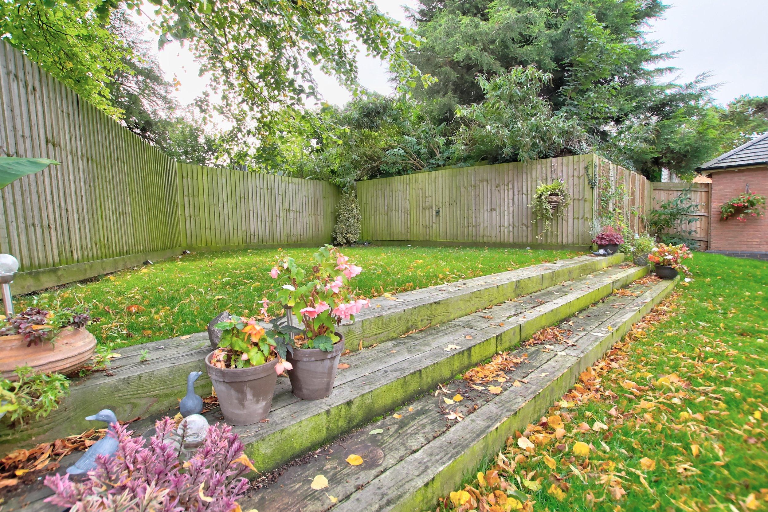 32 rear garden.jpg