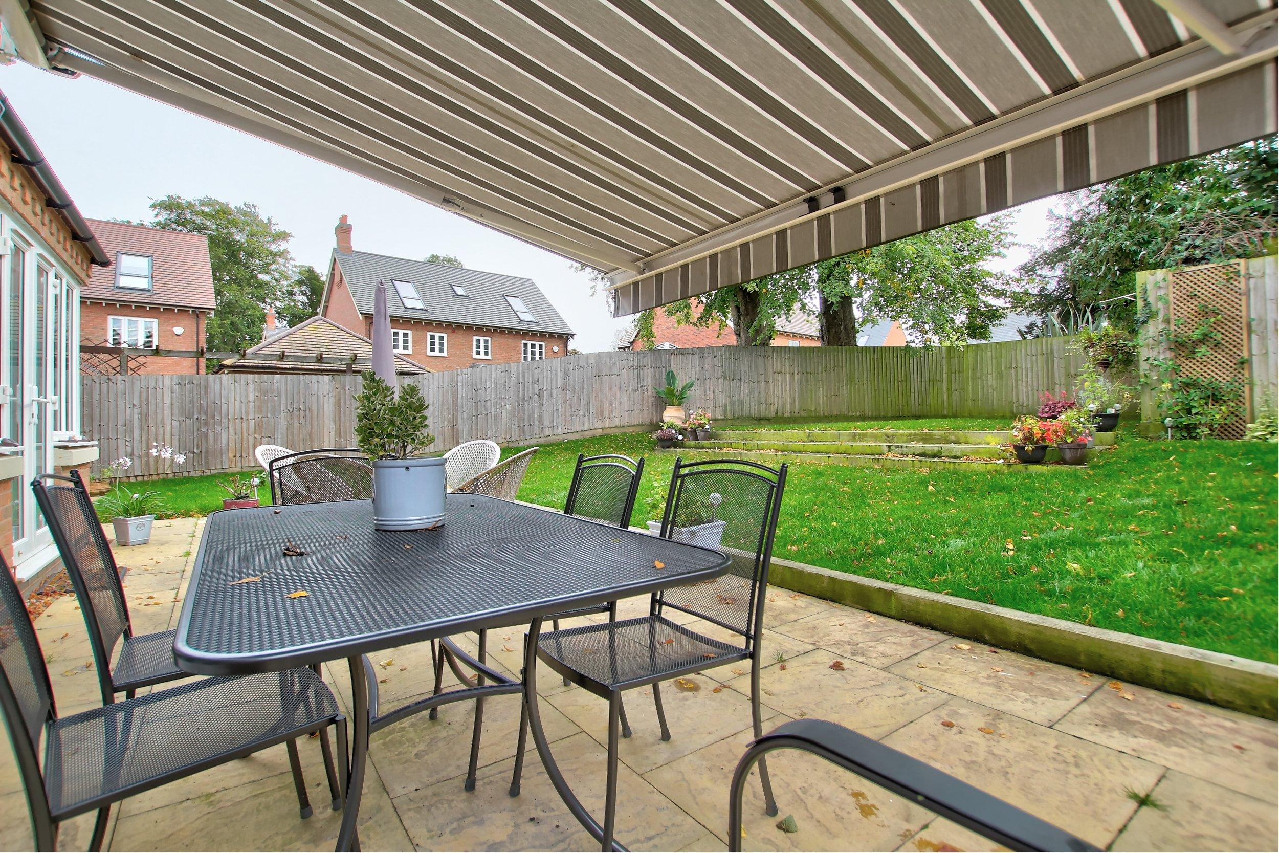 35 patio garden.jpg