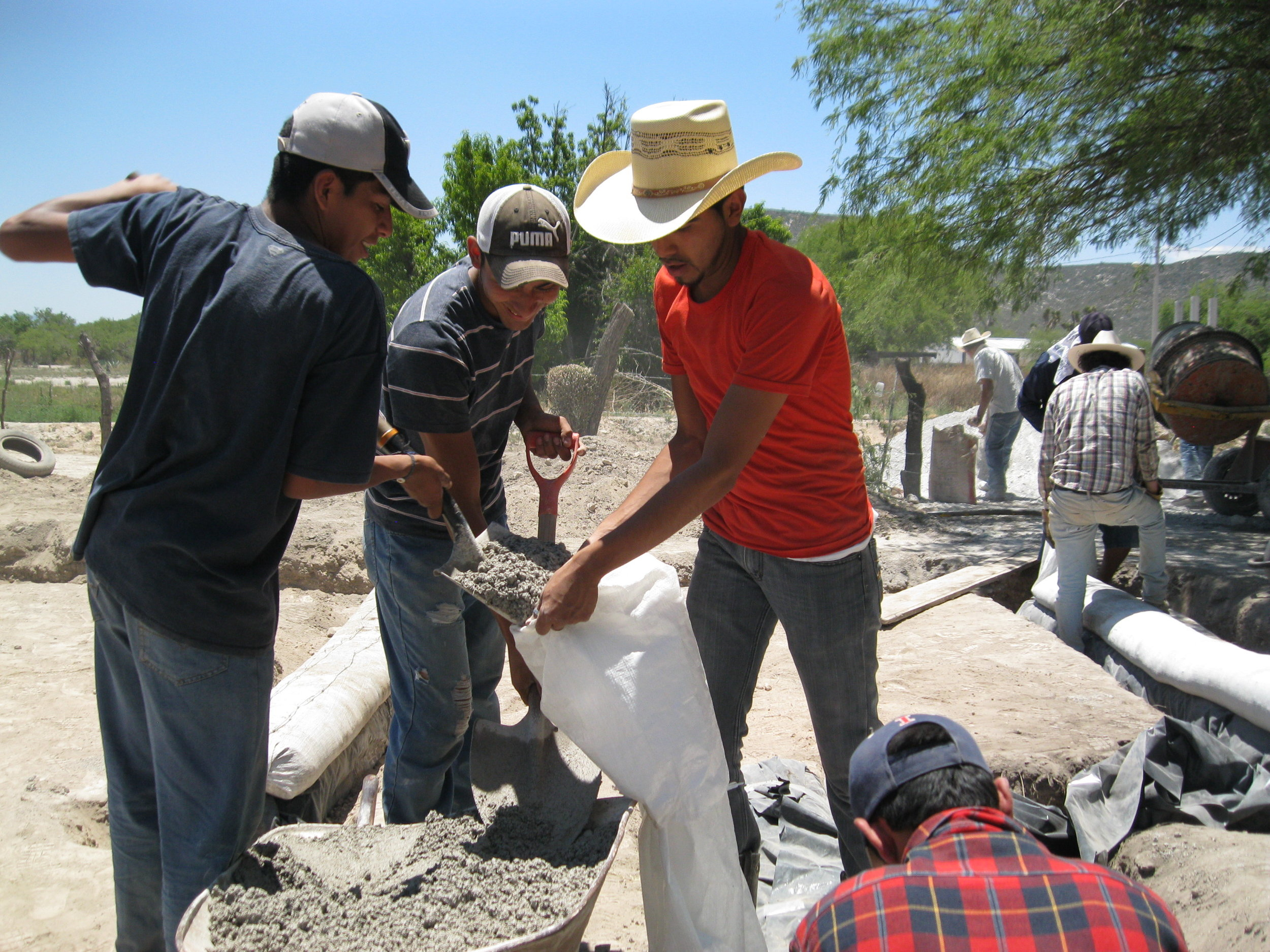 Dome House construction 2014 (5).JPG