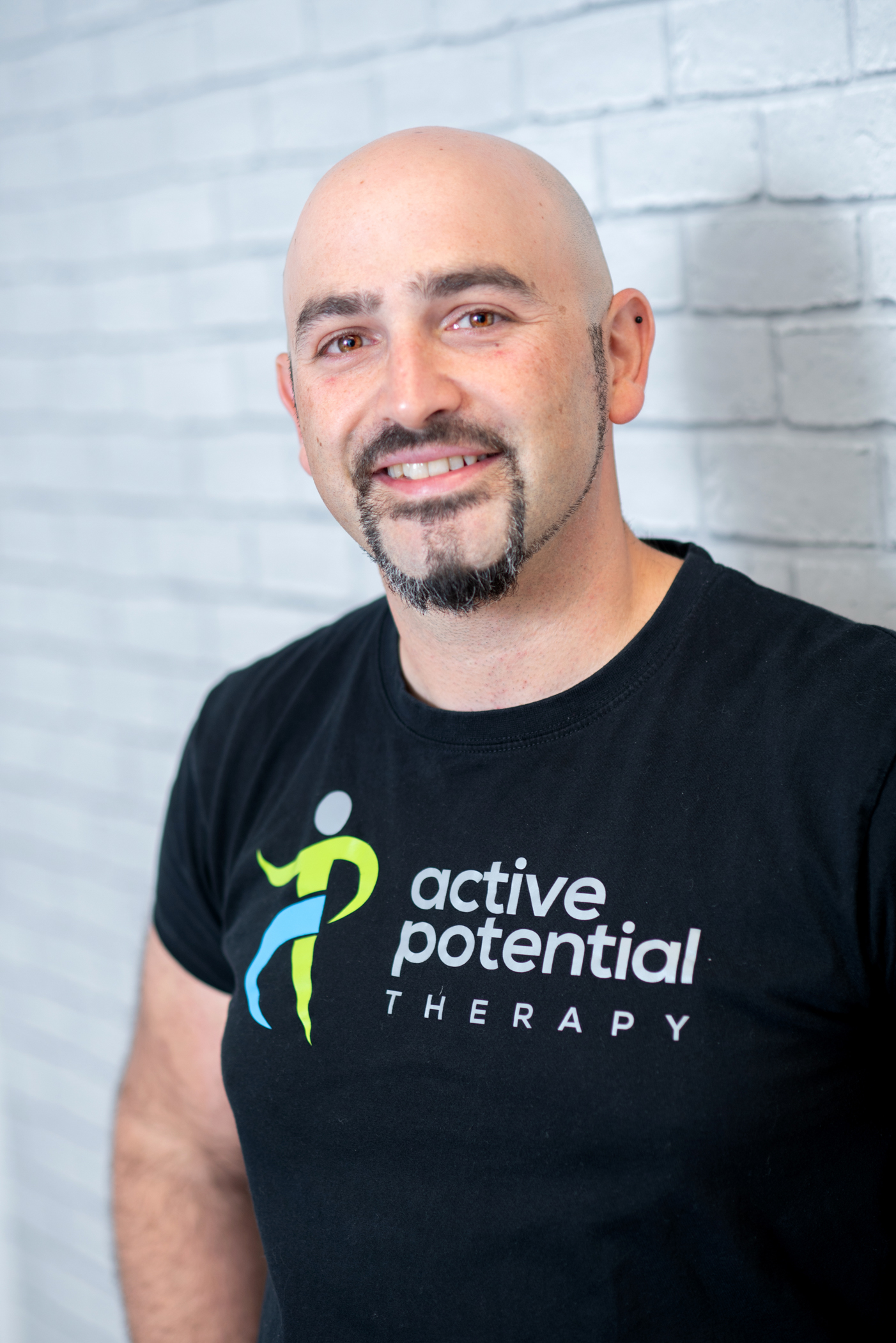 Nir Zlochover - Massage therapist