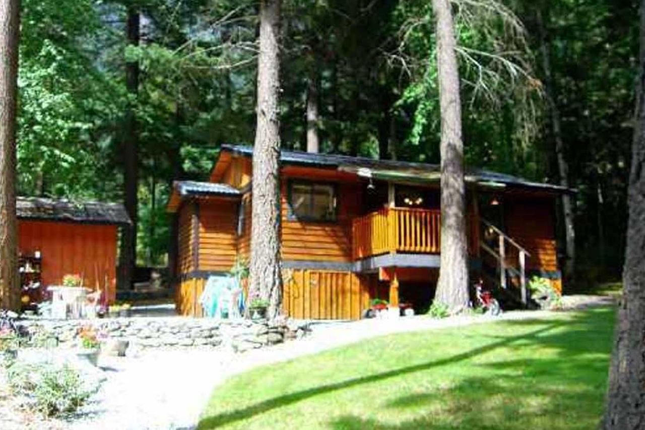 9410 Portage Rd    MLS  R2025249   LISTING PRICE  $233,000.00   TYPE  House w/ Acreage   BUILT  1980  BED  2  BATH  1   SQ FT  840  $889.67  MAIN FEE  n/a