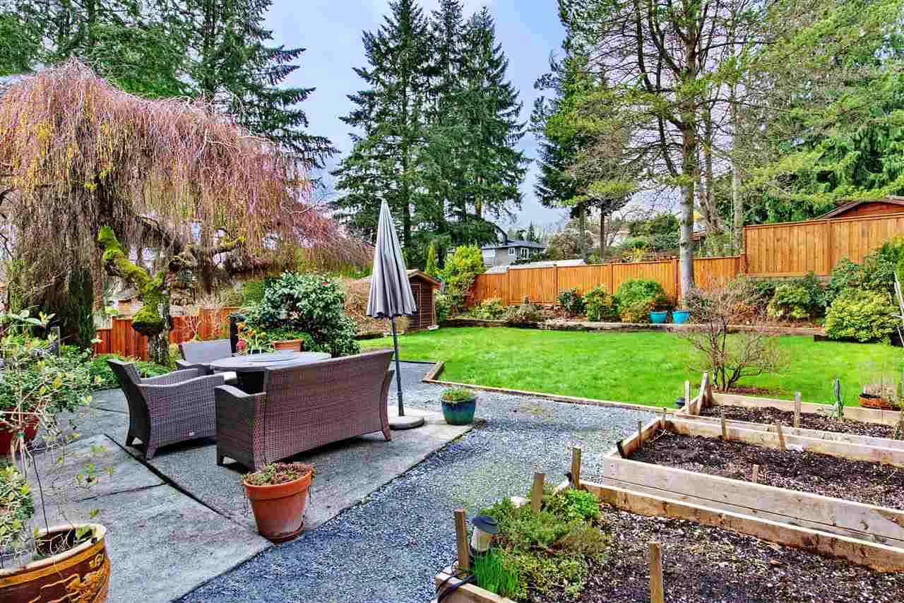 563 N Dollarton Hwy    MLS  R2257361   LISTING PRICE  $1,799,000.00   TYPE  Detached House   BUILT  1966  BED  4  BATH  3   SQ FT  2800  $6246.98  MAIN FEE  n/a