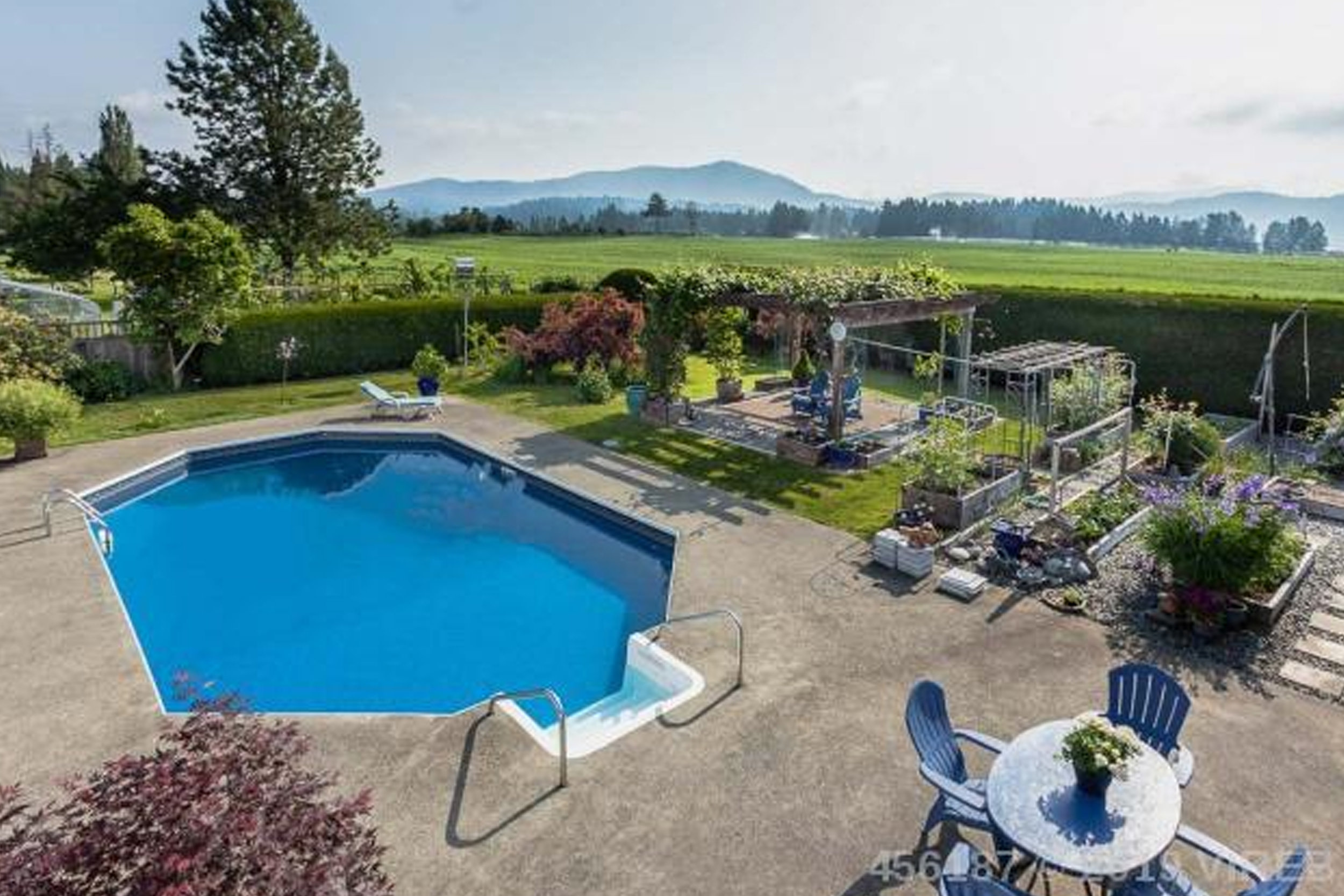 6595 Lakes Rd    MLS  456187   LISTING PRICE  $549,000   BED  5  Bath  3   CARPORT  2 Parking   SQFT  3173 Sqft   BUILT  1976   PROPERTY TAX  $3135.00