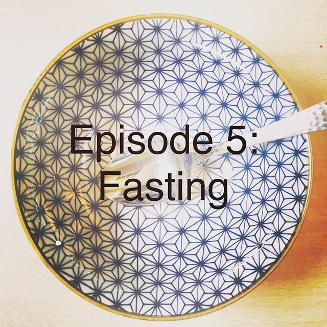 Episode 5 (Fasting) is now live!🎙(Link in profile.) In this episode we cover both cultural and religious contexts for fasting. What are the trends? Risks? Benefits? Gloria puts on her lab coat to explore the Western science around intermittent fasting and diet culture. Abigail pours us organic wine from a can and shared some wisdom about an ancient TCM fasting practice. Listen up! • • • • #fasting #intermittentfasting #nutrition #chinesemedicine #registereddietitian #acupuncturist #diettrends #nutritionpodcast #haes #returningpeacetothedinnertable