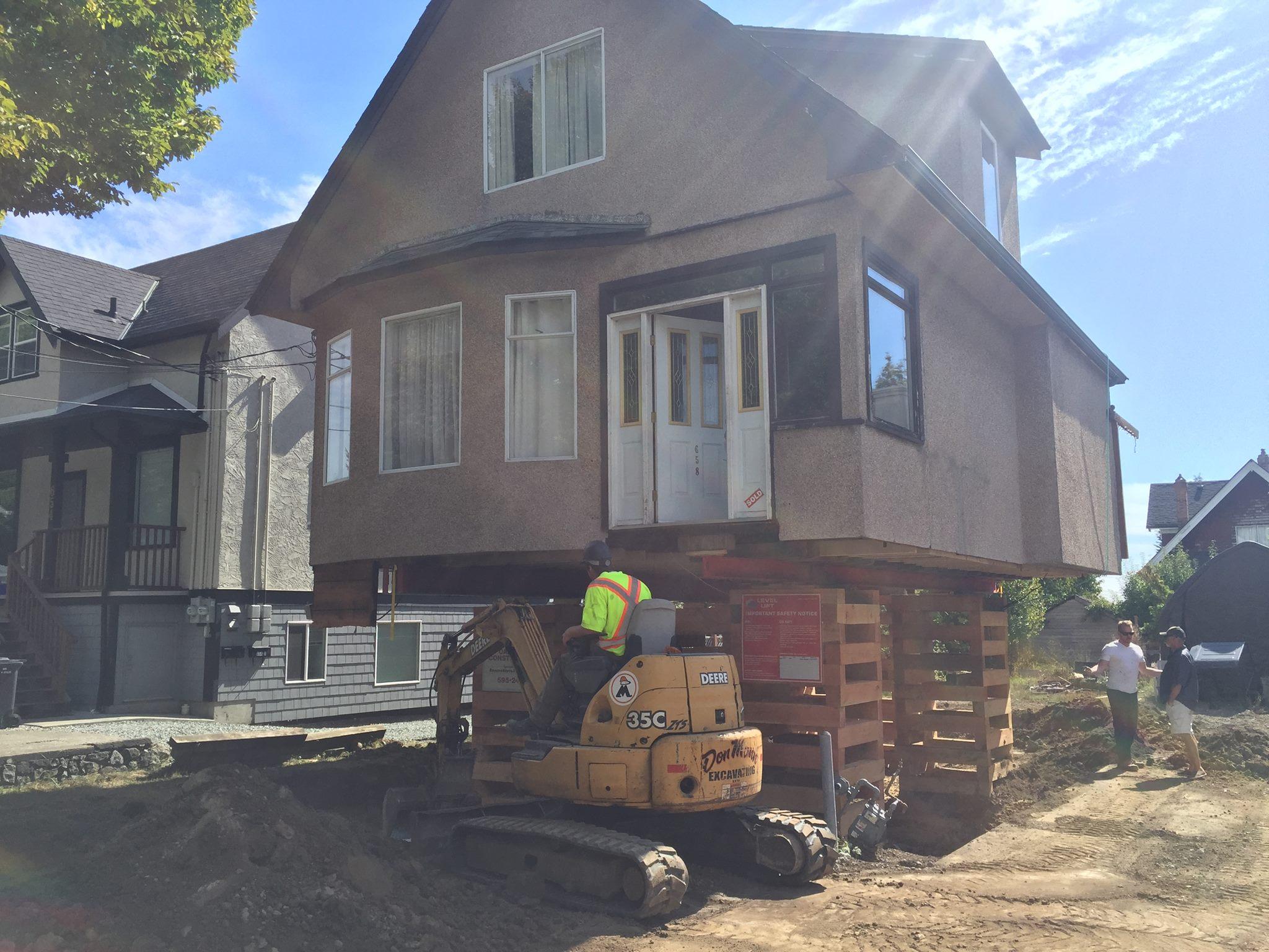 Two Esquimalt house lifts