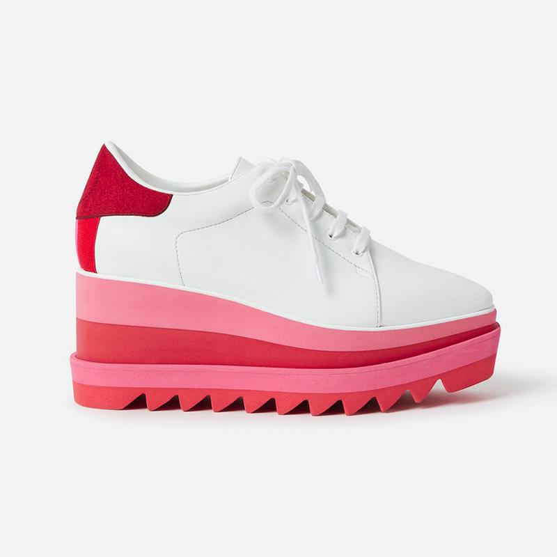 Stella_sneaker.jpg