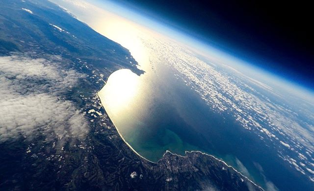 Monterey Bay, California, 2015. . We launched a weather balloon from San Francisco with several demonstration imaging payloads (@gopro @sonyalpha) in preparation for an upcoming Alaska mission. The balloon traveled south along the Pacific coast, reaching 91,470 ft (27.9 km) and captured some beautiful views before bursting.