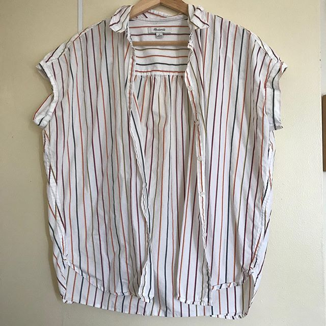 """SIZE: S  PRICE: $20  BRAND / ITEM NAME: Madewell striped courier shirt, purchased last year  CONDITION: worn twice, almost new, good used condition  SHIPPING: $10  MATERIAL: 100% cotton  MEASUREMENTS: 27.5"""" length, p to p 20""""  SELLER: @lotte_mari  PROTOCOL: Please tag me and leave your zip code to purchase. Item goes to the first zip code listed. Please DM me your PP email so I can invoice you.  The listed price includes Paypal Invoicing. PLEASE NO GIFTING. If there are backups for this item I will move onto them after 3 hours of sending invoice. HASHTAGS (#nb__):"""
