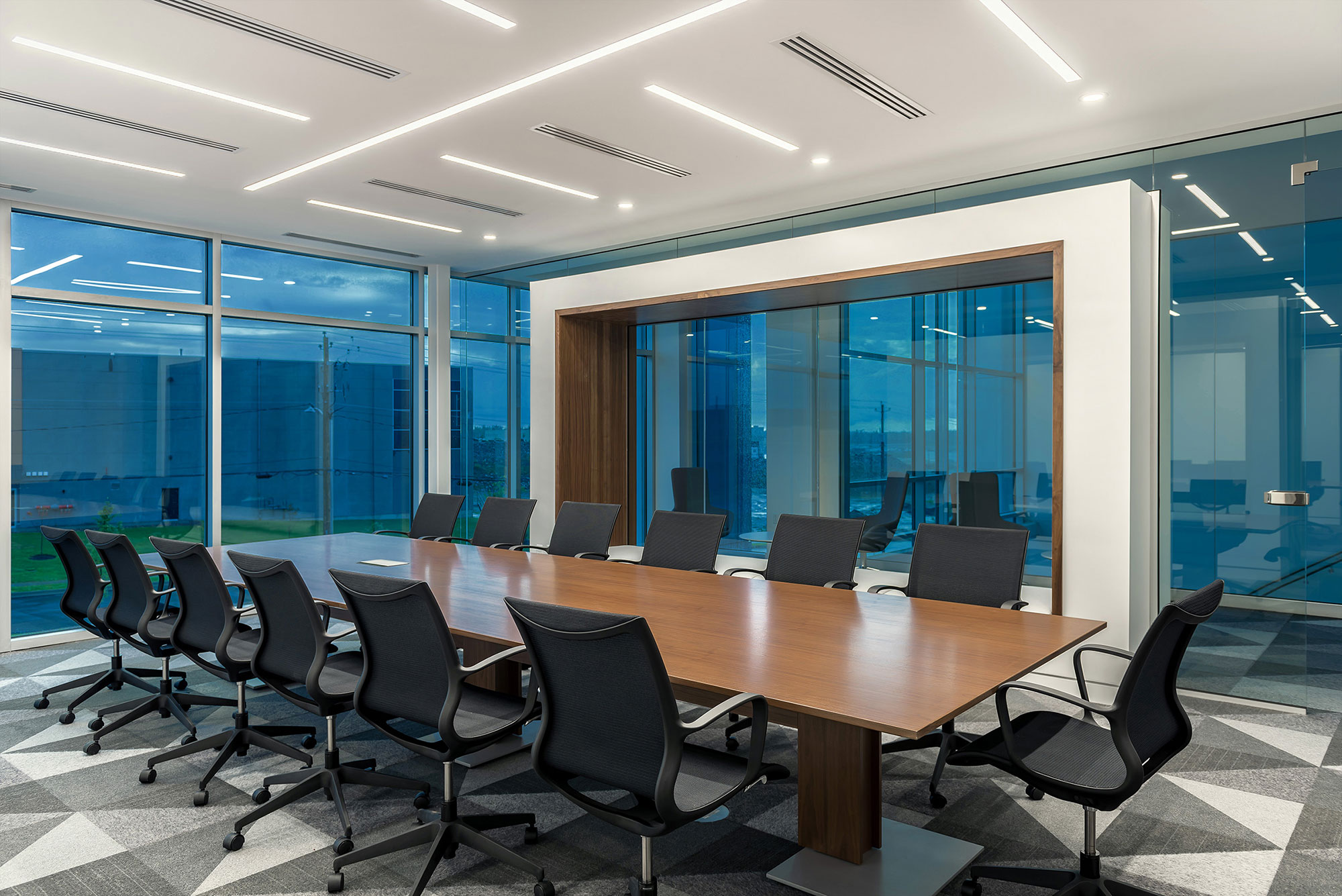 interior-design-manufacturing-office-conference-room.jpg