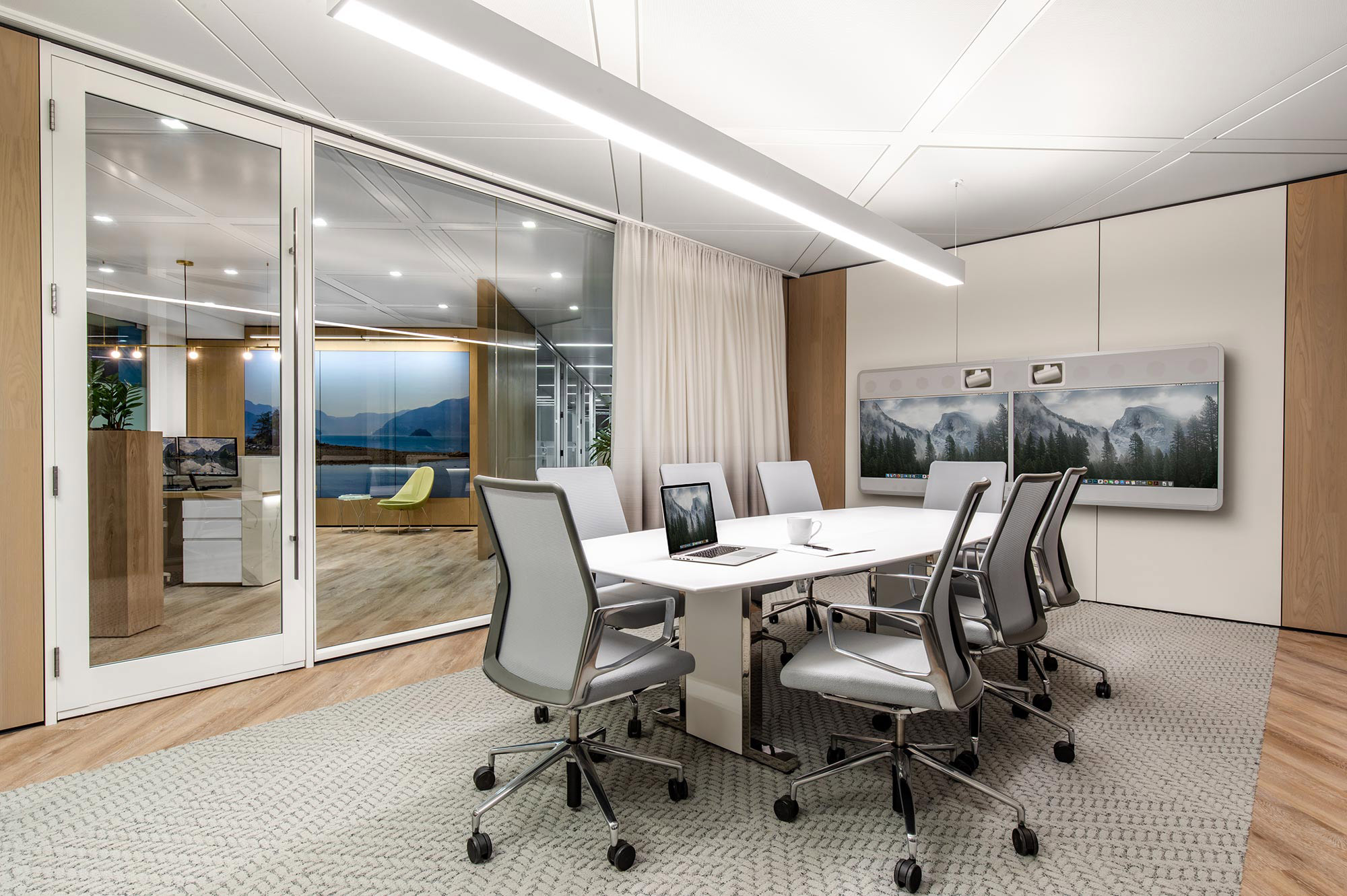 insurance-interior-design-boardroom.jpg