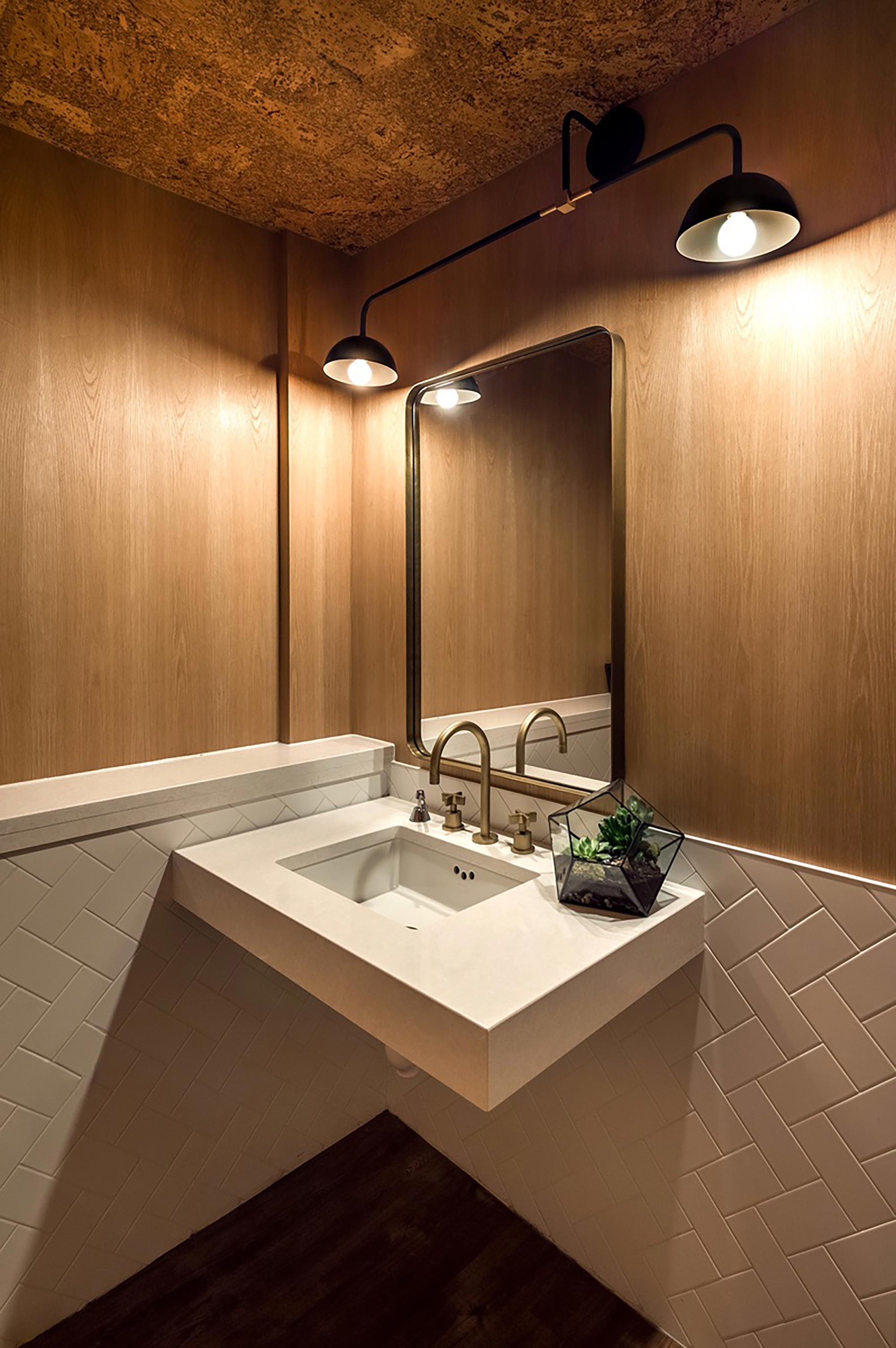interior-design-halifax-restaurant-washroom.jpg