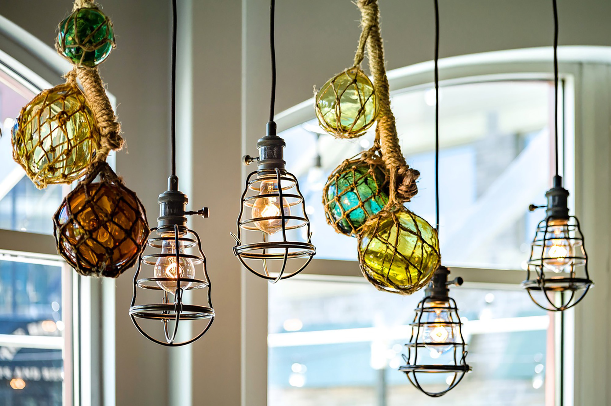 interior-design-seafood-restuarant-lighting.jpg