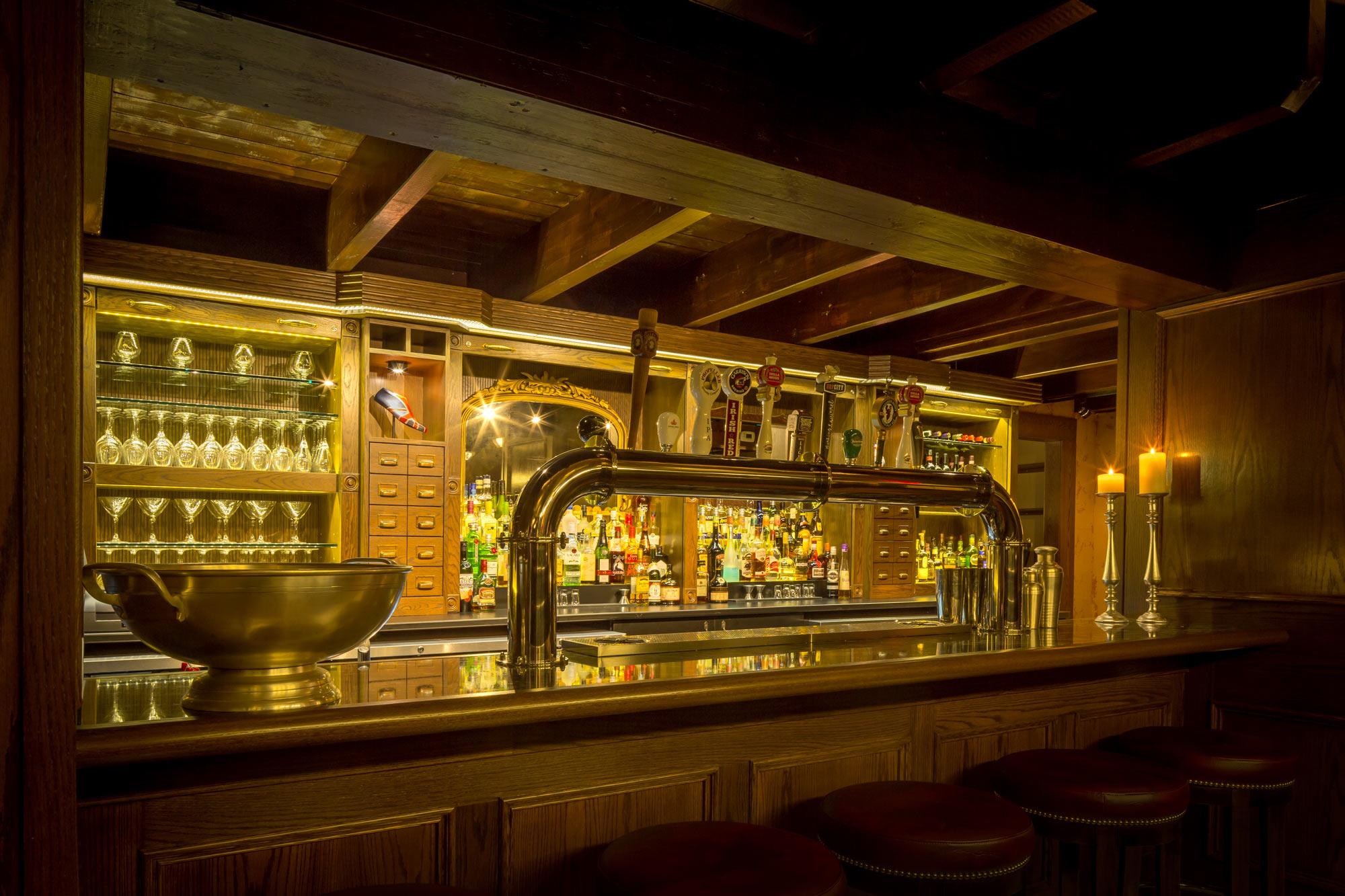 interior-design-restaurant-halifax-british-theme-bar.jpg