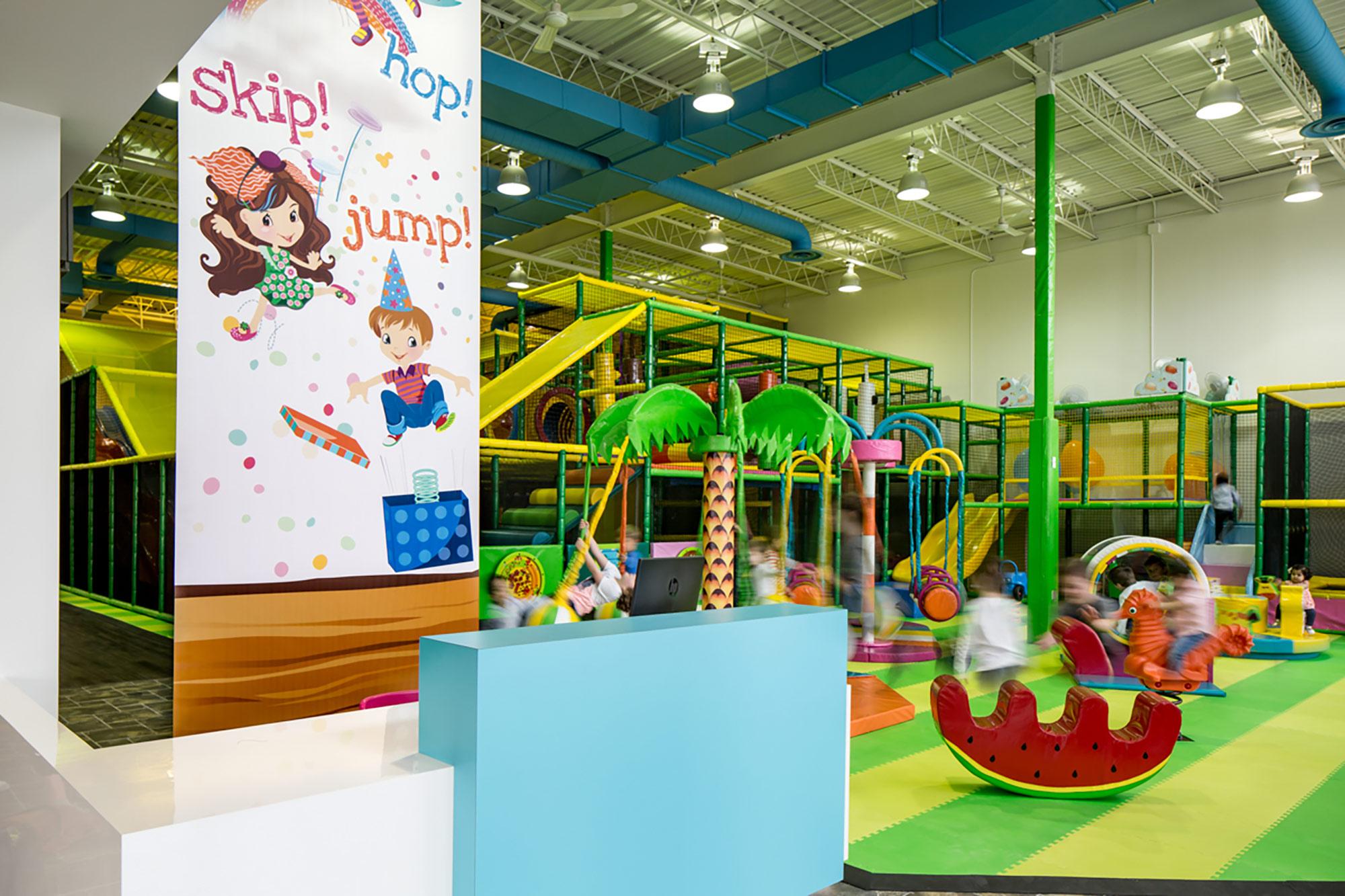 interior-design-indoor-play-facility-kids-playing.jpg