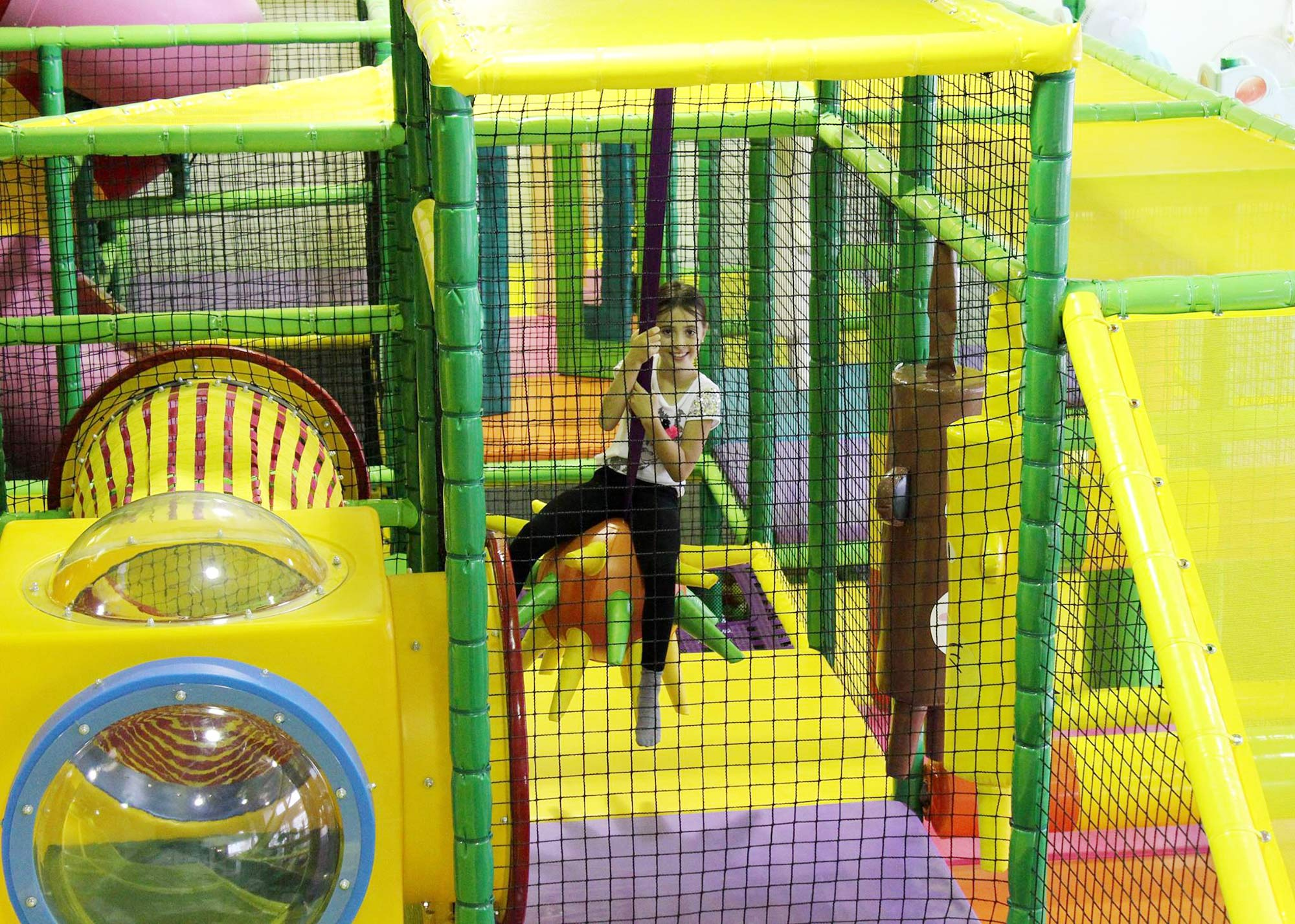 interior-design-indoor-play-facility-girl-playing.jpg