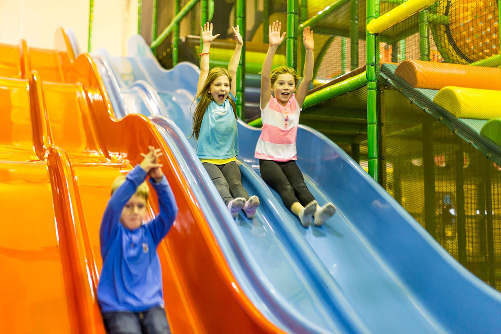 interior-design-indoor-play-facility-kids-slides.jpg
