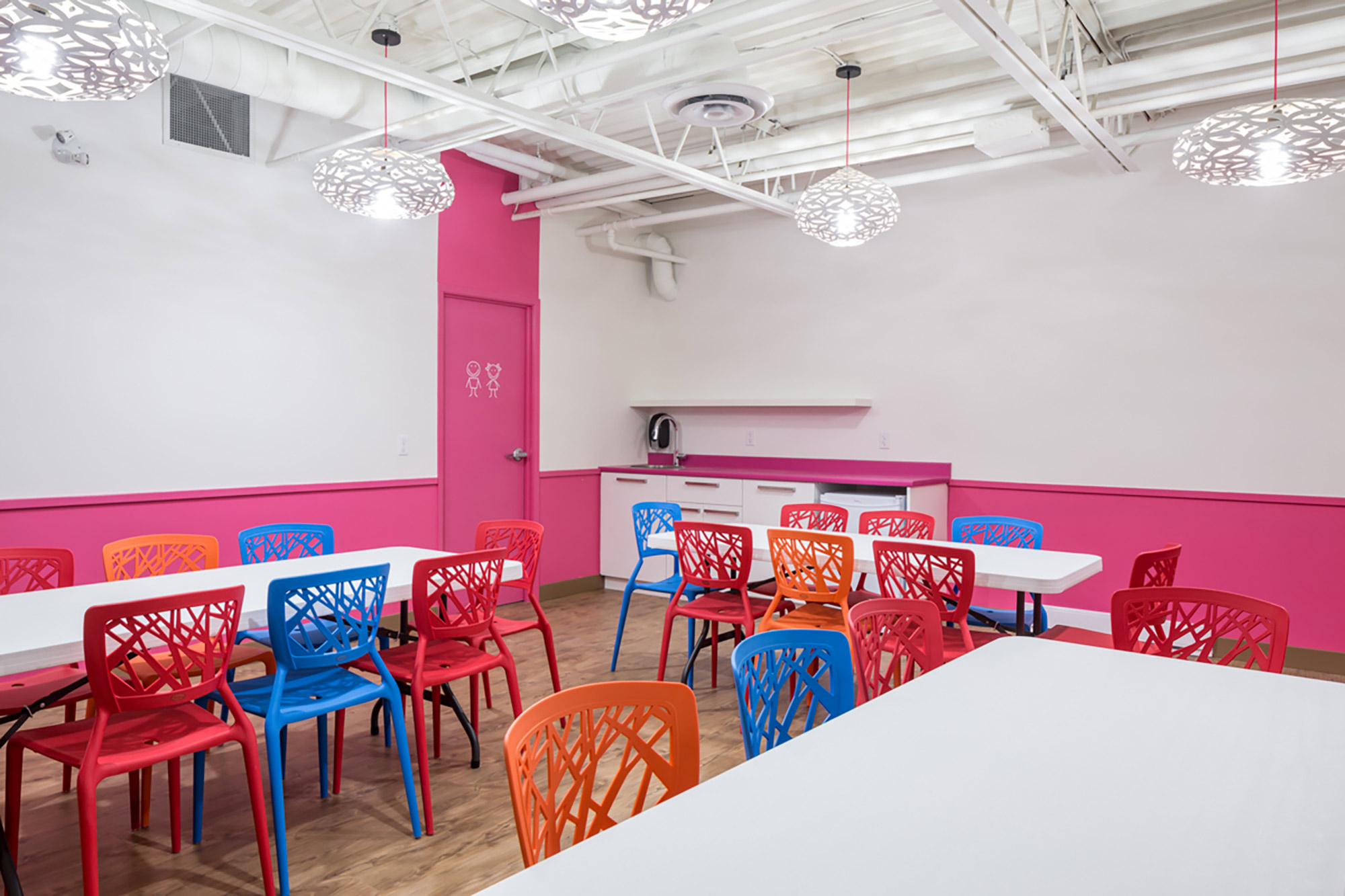 interior-design-indoor-play-facility-colourful-chairs.jpg
