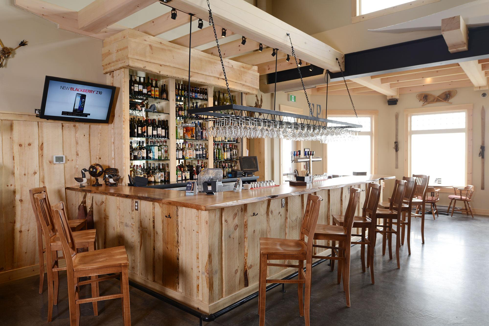 interior-design-nova-scotia-resort-wood-bar.jpg