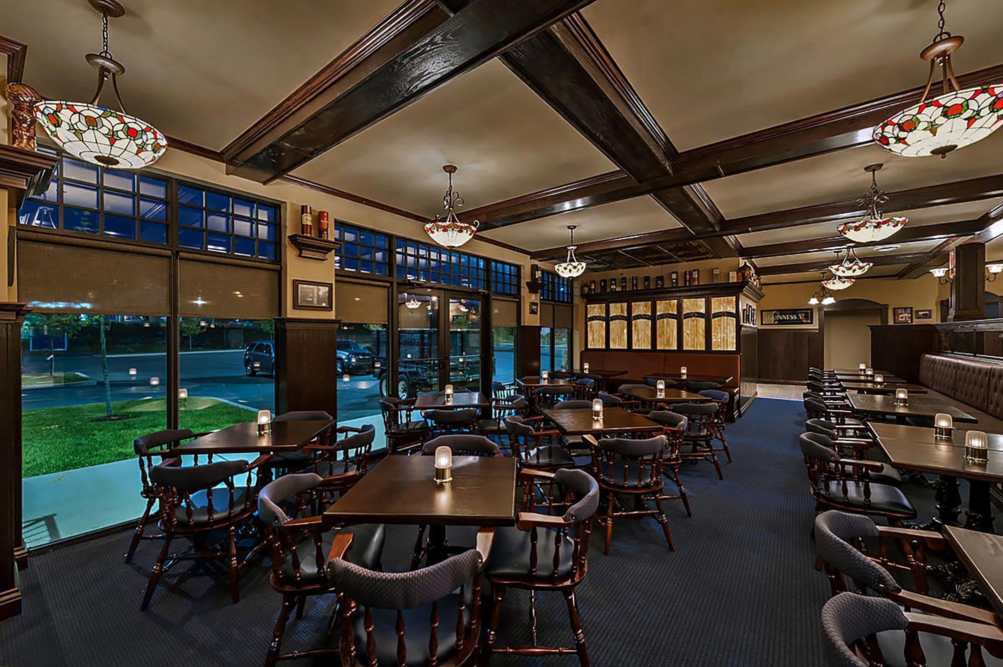 Finbar's Irish Pub -