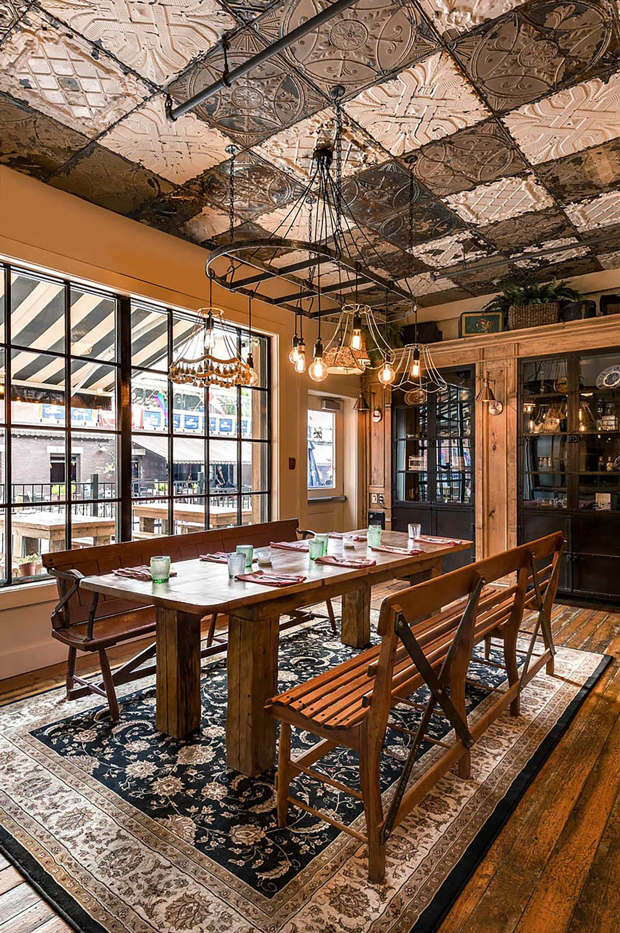 interior-design-restaurant-halifax-dining-table.jpg