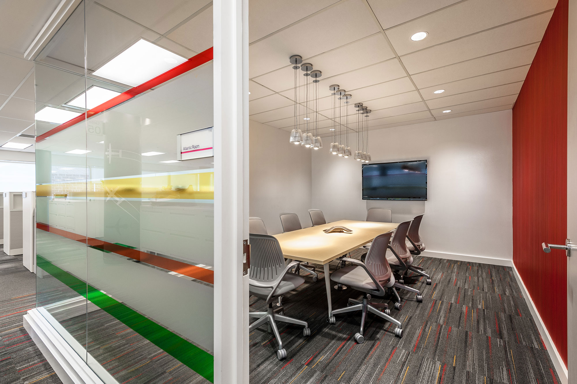 interior-design-aviation-office-boardroom.jpg