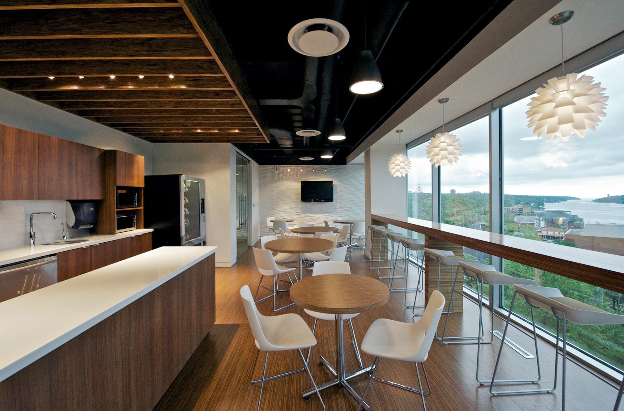 interior-design-media-office-kitchen-seating.jpg