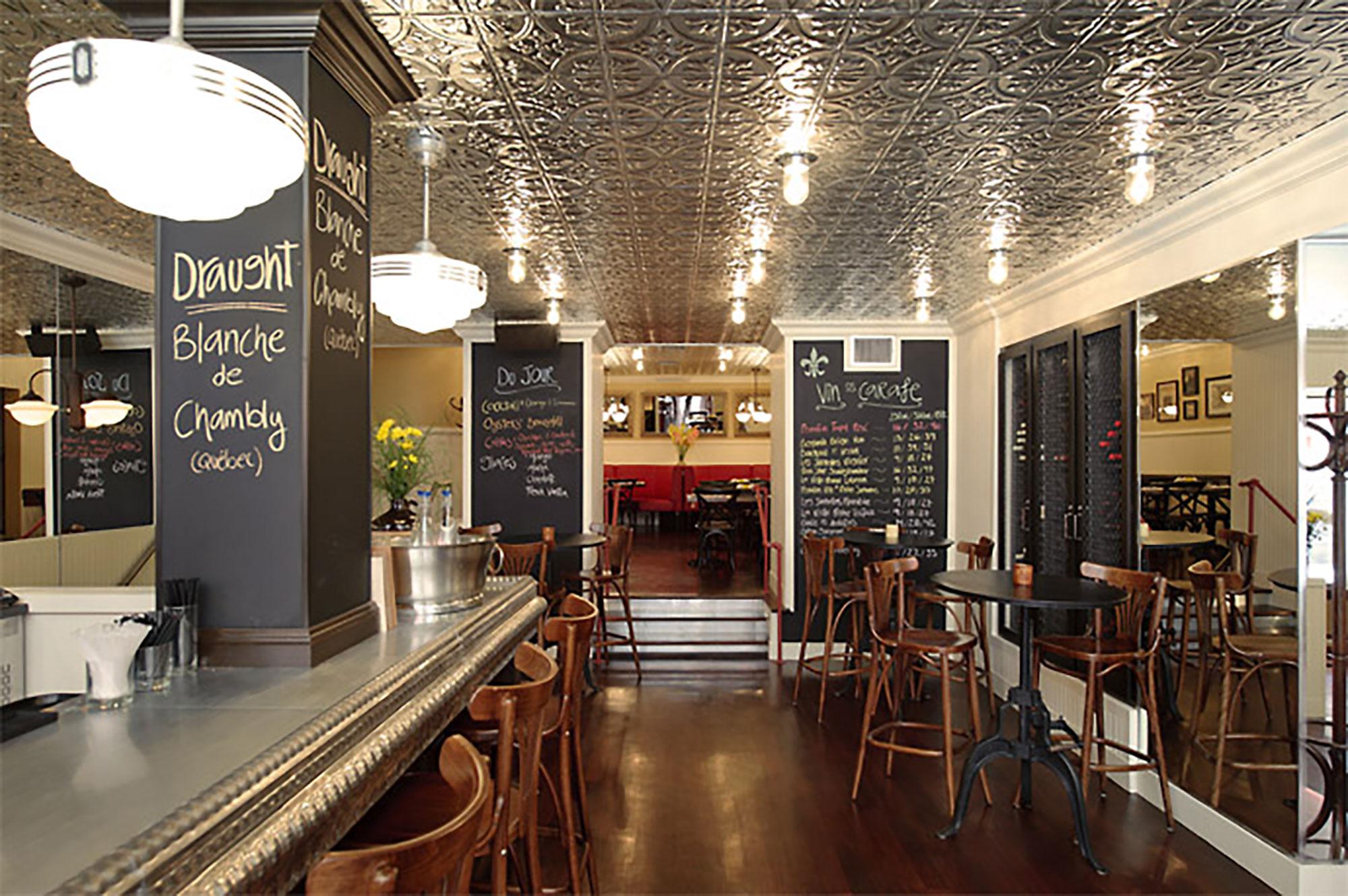 interior-design-french-restaurant-bar-tables.jpg