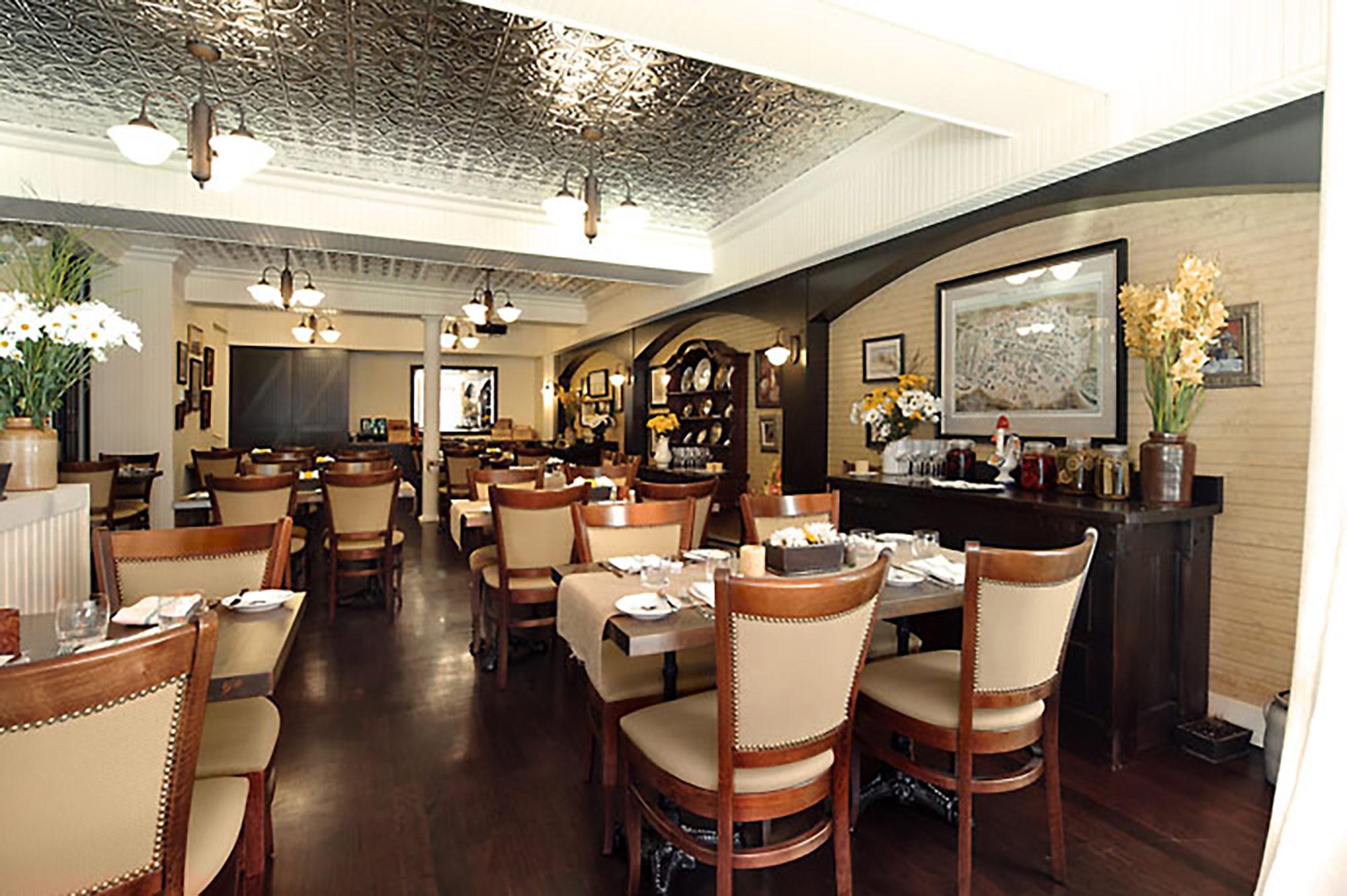 interior-design-french-restaurant-bar-dining-room.jpg
