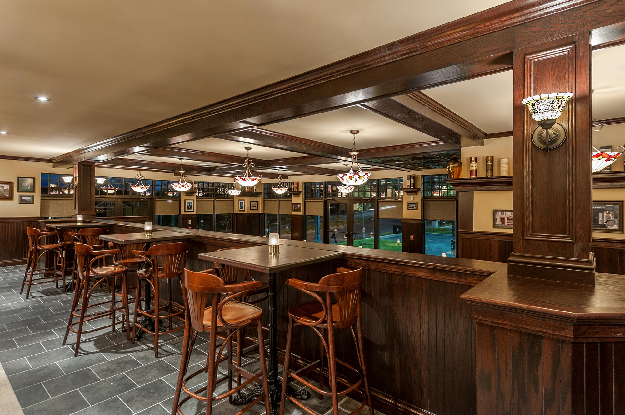 interior-design-restaurant-irish-pub-bar.jpg