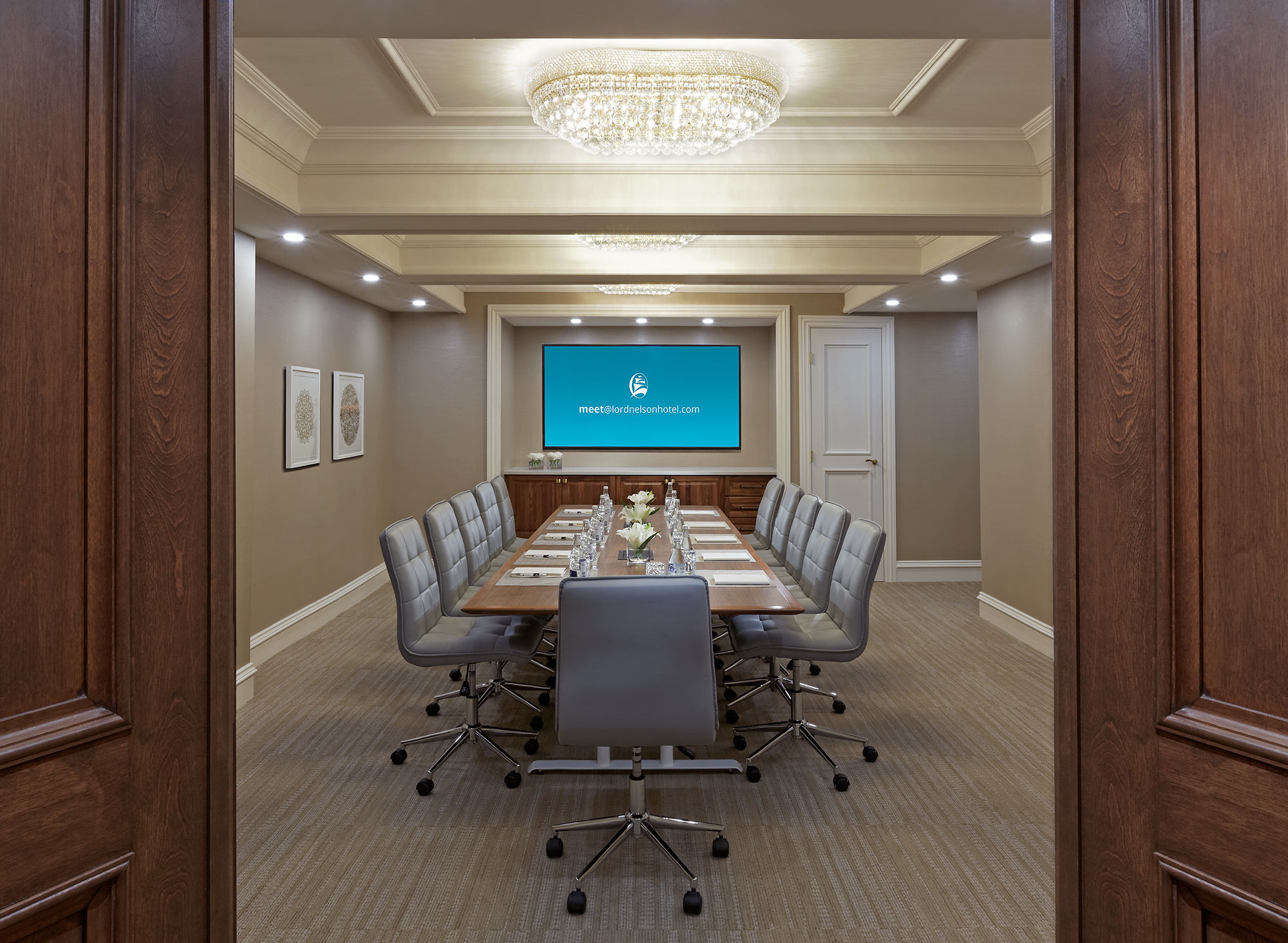 interior-design-hotel-halifax-meeting-room.jpg