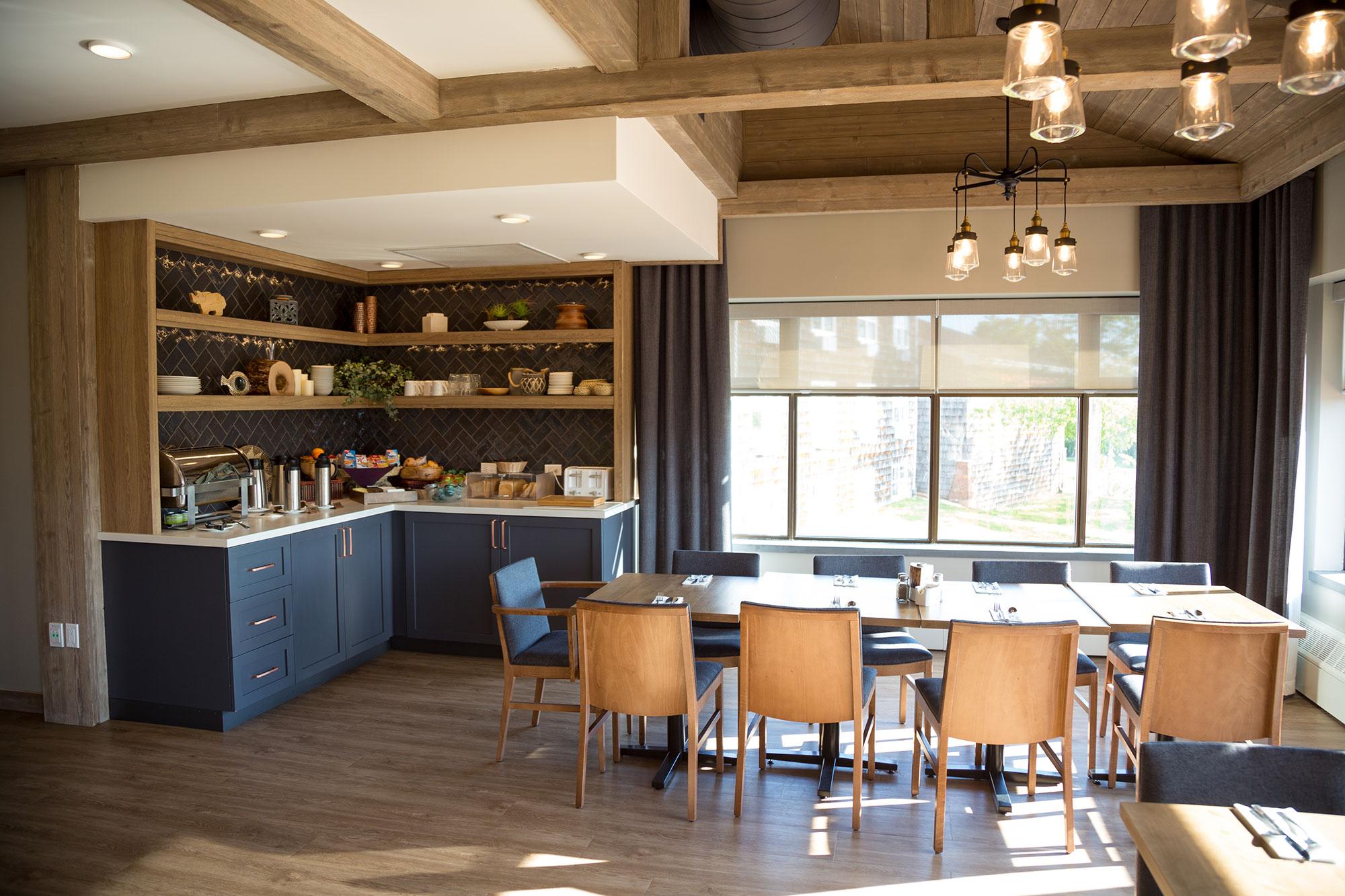 interior-design-callaghans-breakfast-bar.jpg