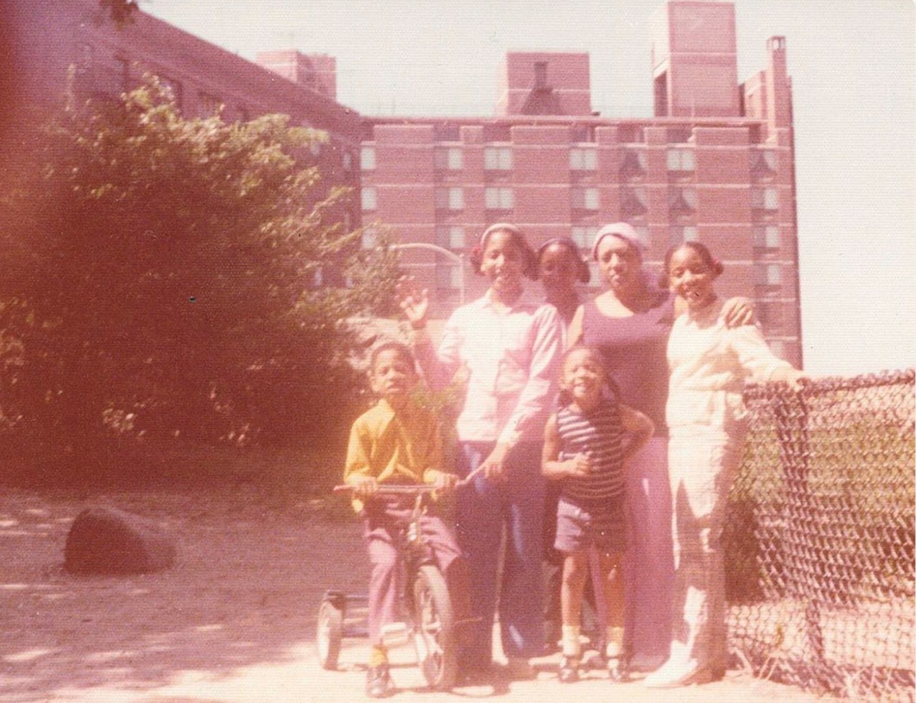 The Matheson Family: Grandmother Natalia, mother Alma, tias Elena and Martha, tio Juan and tia Nati. ‪187th ‬Street and Bennett Avenue, 1976.    READ THEIR STORY.