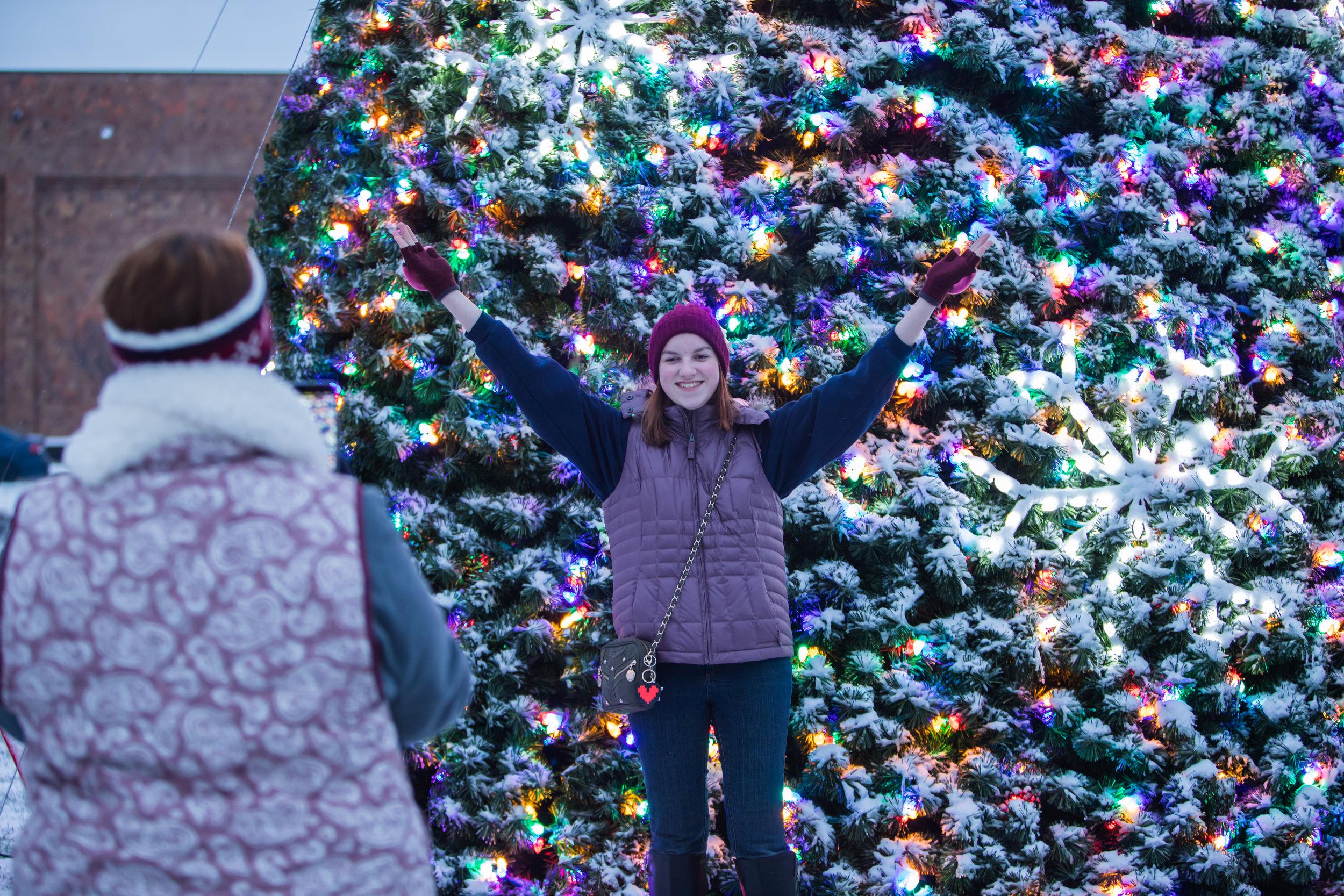 DWNTWN_Christmas Tree Shoot-53.jpg
