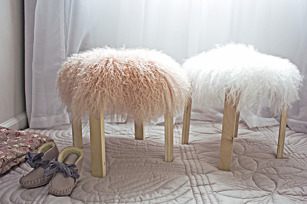 Blog_no_product_DIY_Fur_Stool_by_Clever_Poppy.jpg